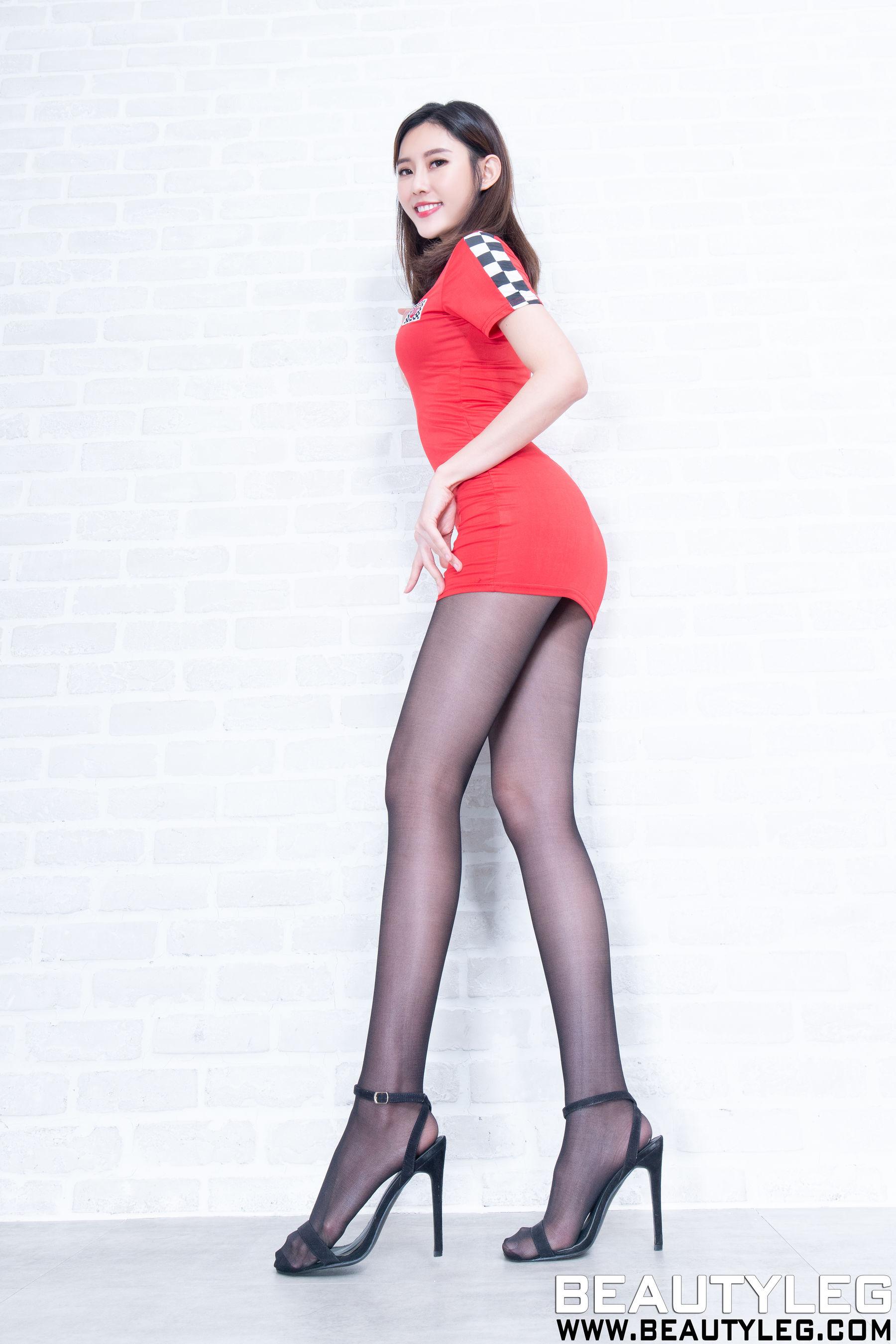 VOL.1913 [Beautyleg]丝袜美腿黑丝:郭珉妏(腿模Queenie)超高清个人性感漂亮大图(45P)