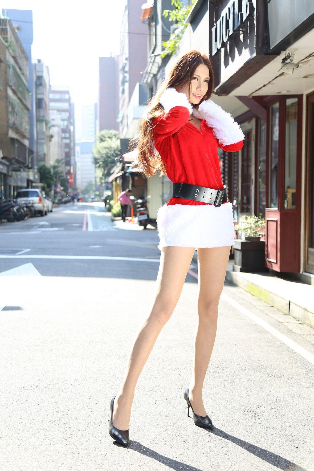 VOL.1111 [台湾正妹]圣诞街拍长腿美女:蔡译心(Candice)超高清个人性感漂亮大图(100P)