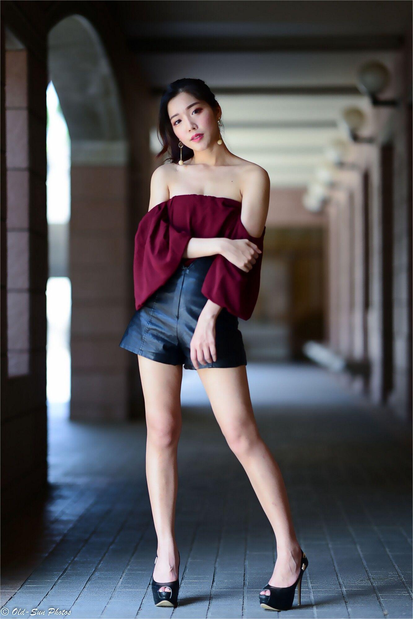 VOL.1376 [台湾正妹]高跟高贵优雅美女长腿美女街拍美臀:孙瑜莎莎(孙莎莎)超高清个人性感漂亮大图(80P)