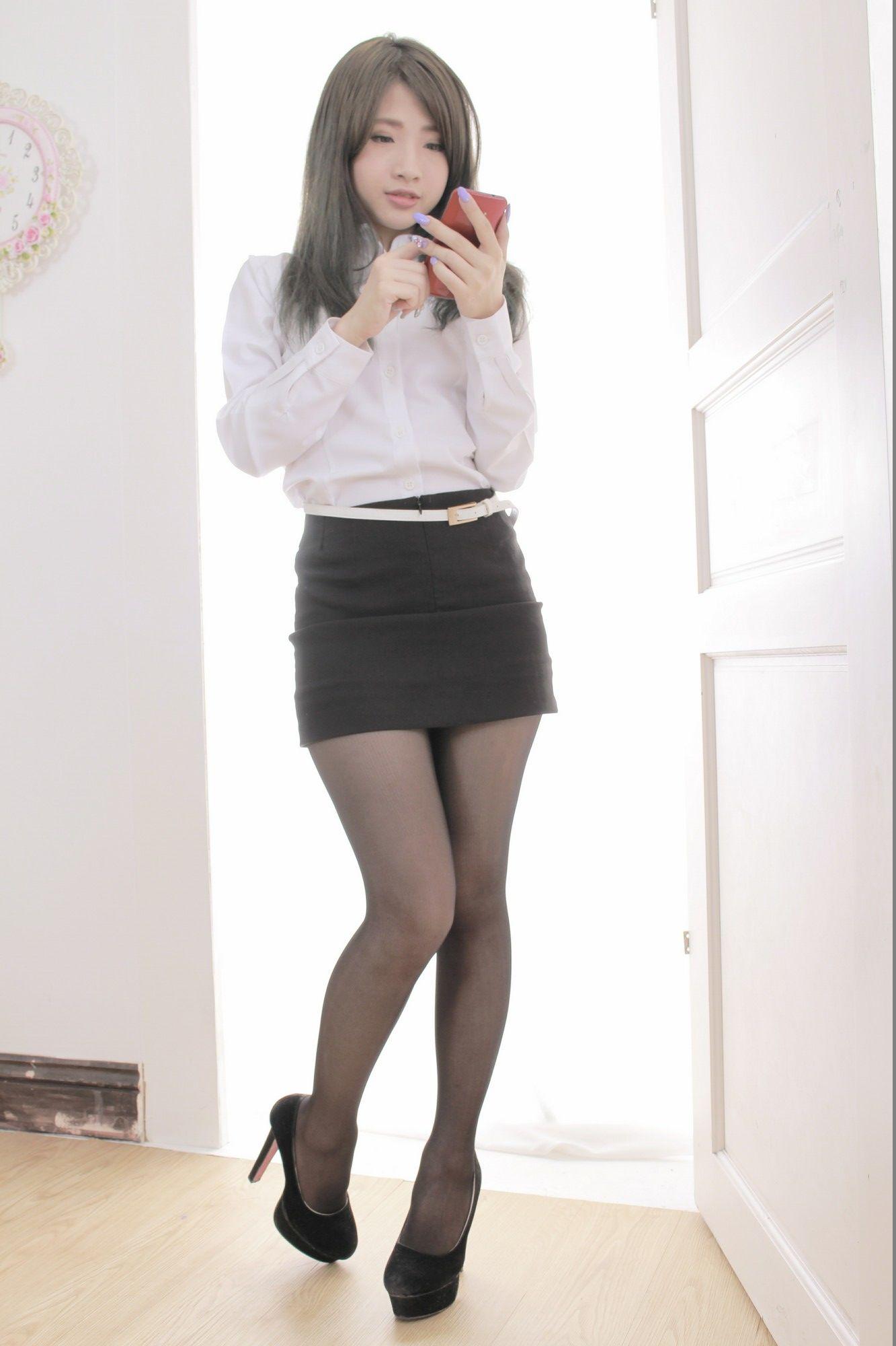 VOL.438 [台湾正妹]黑丝OL美女包臀裙美女:胡安绮(Chichy胡绮)超高清个人性感漂亮大图(64P)