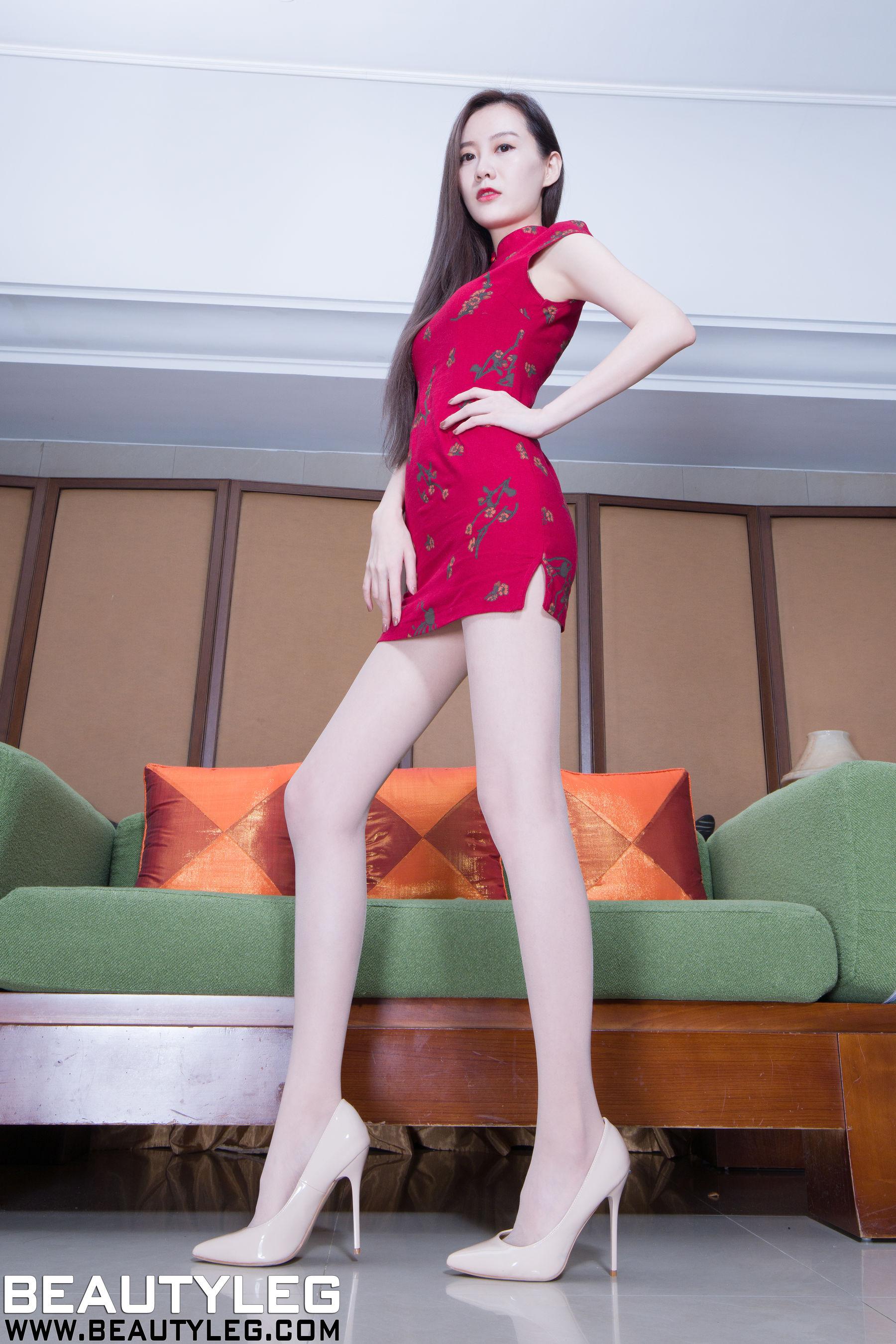 VOL.147 [Beautyleg]制服美腿长腿美女:汪佩妮(汪佩妮Penny)超高清个人性感漂亮大图(50P)