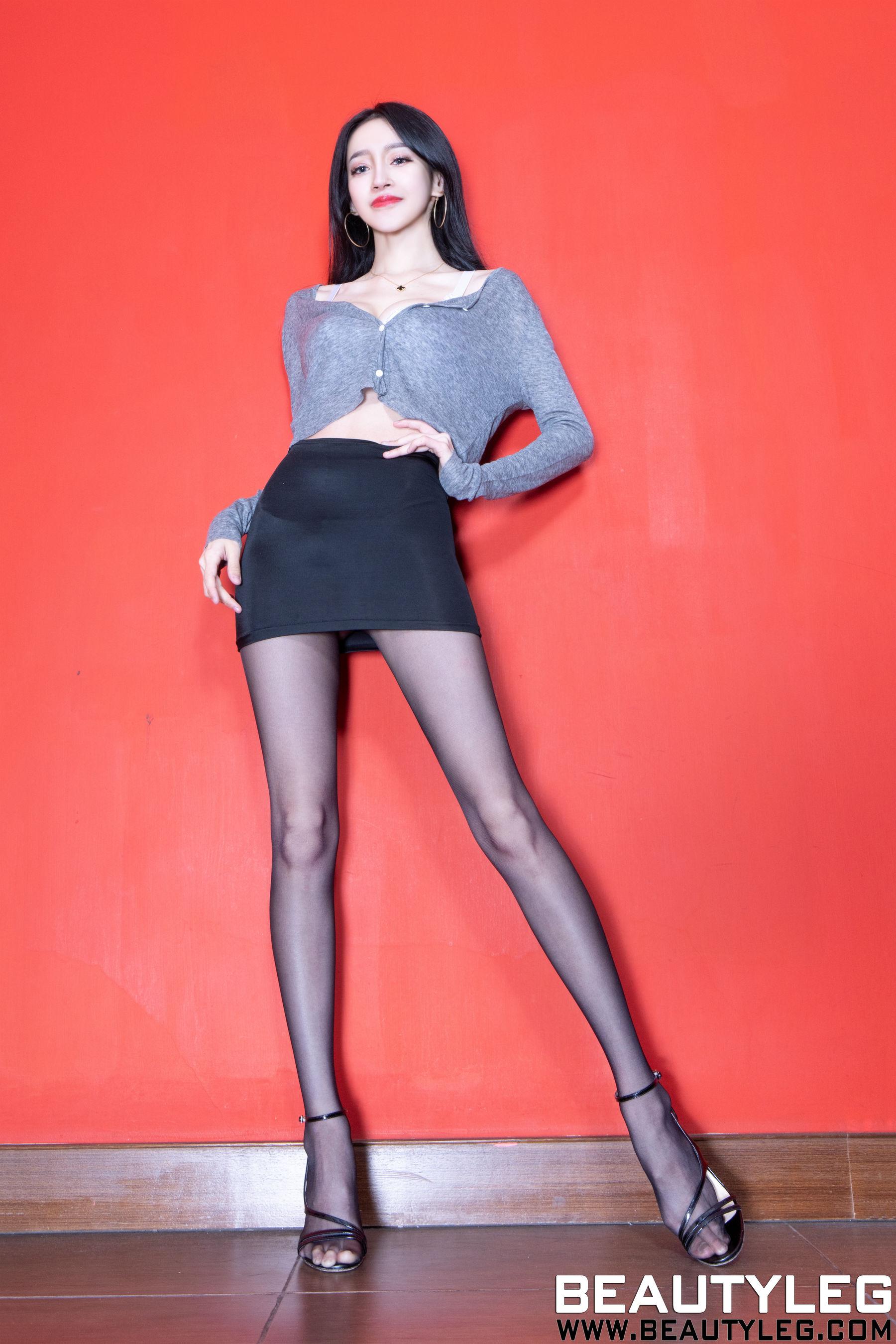 VOL.1839 [Beautyleg]高跟美腿:詹艾葳(腿模Avril,腿模Arvil)超高清个人性感漂亮大图(22P)