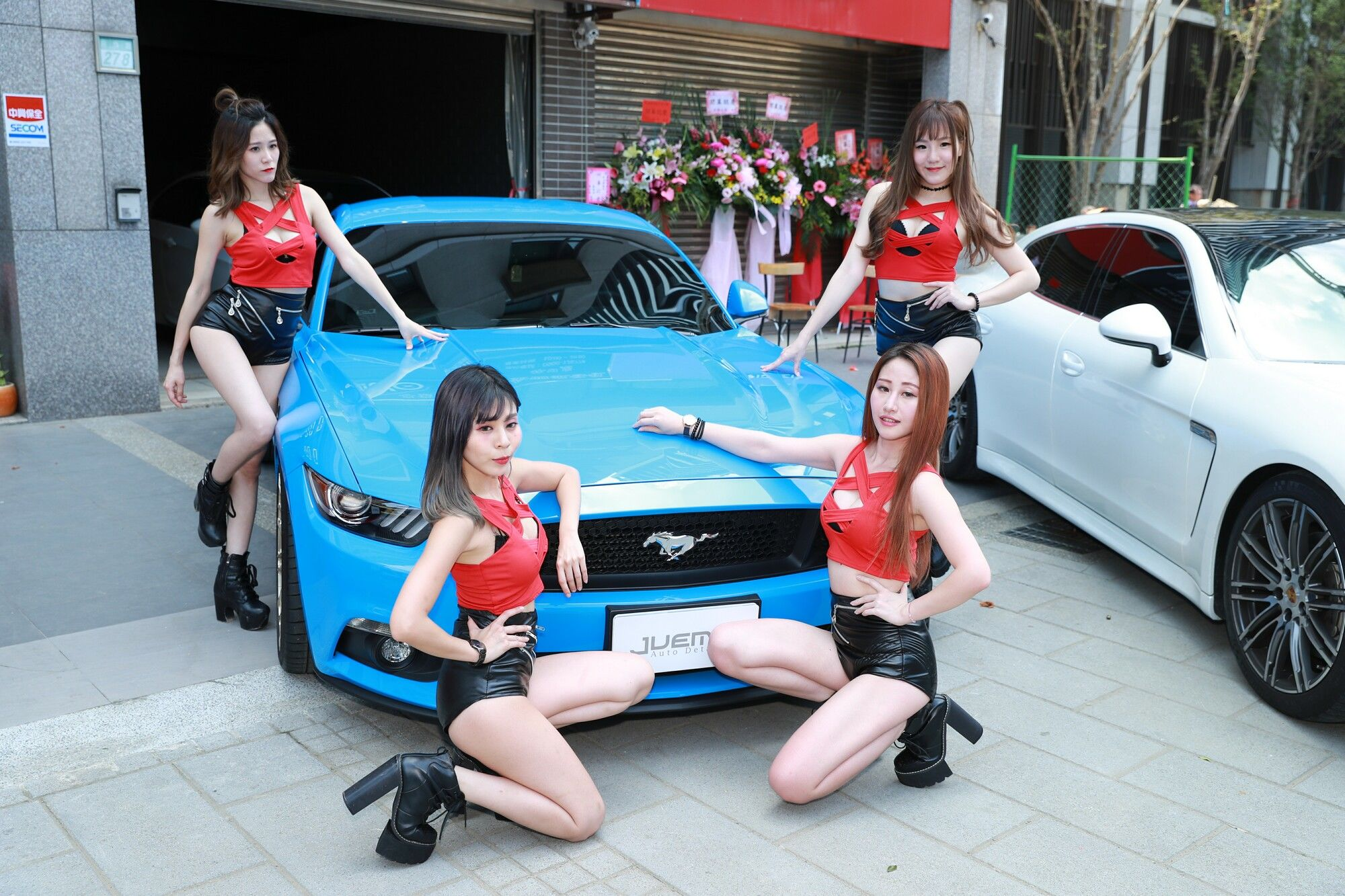 VOL.320 [台湾正妹]Show Girl车模:展台美女超高清个人性感漂亮大图(69P)