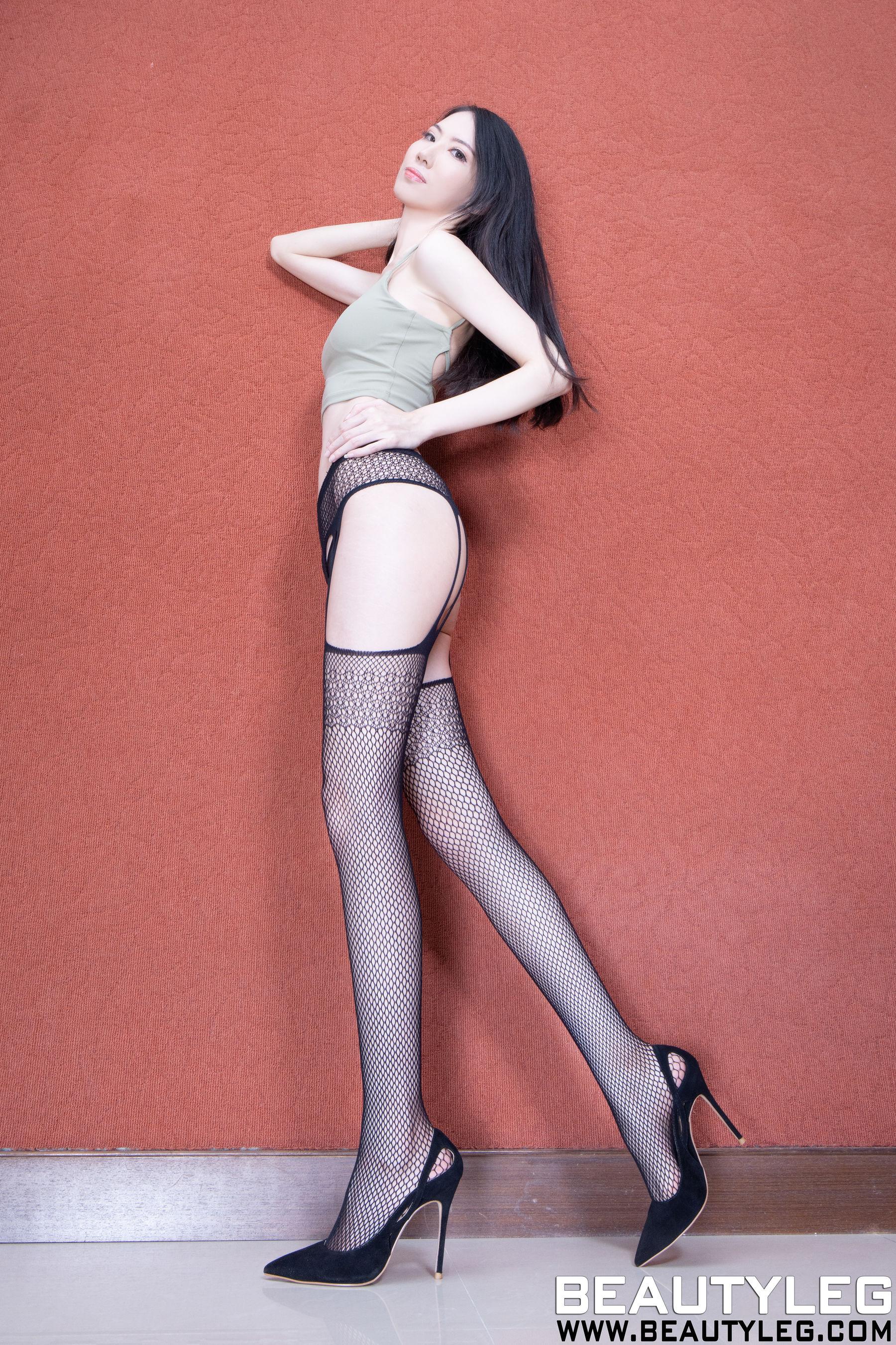 VOL.612 [Beautyleg]情趣丝袜:童采萱(Beautyleg Yoyo,腿模Yoyo)超高清个人性感漂亮大图(34P)