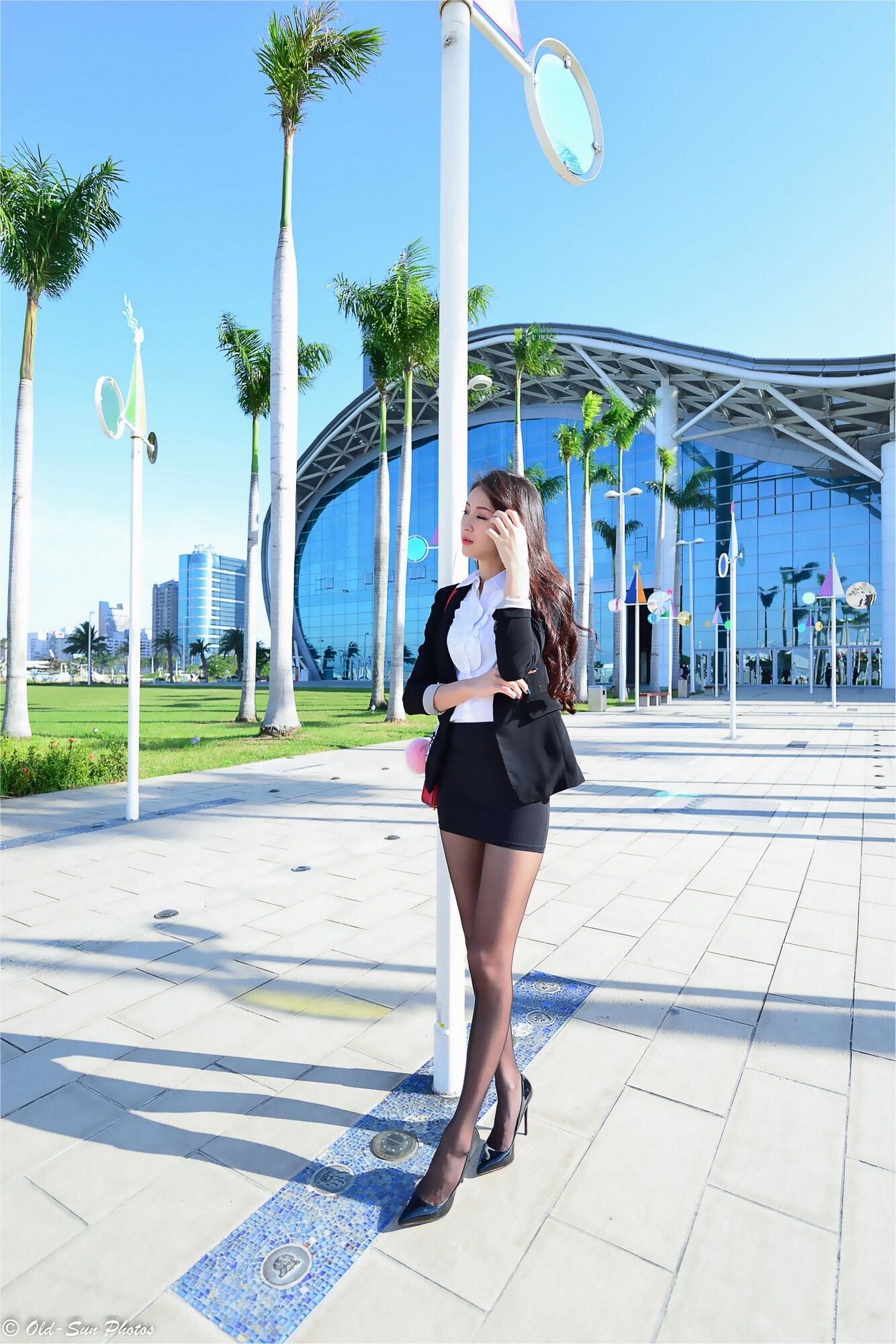 VOL.771 [台湾正妹]丝袜美腿西装美女长腿美女街拍高跟白领丽人:小梵超高清个人性感漂亮大图(86P)
