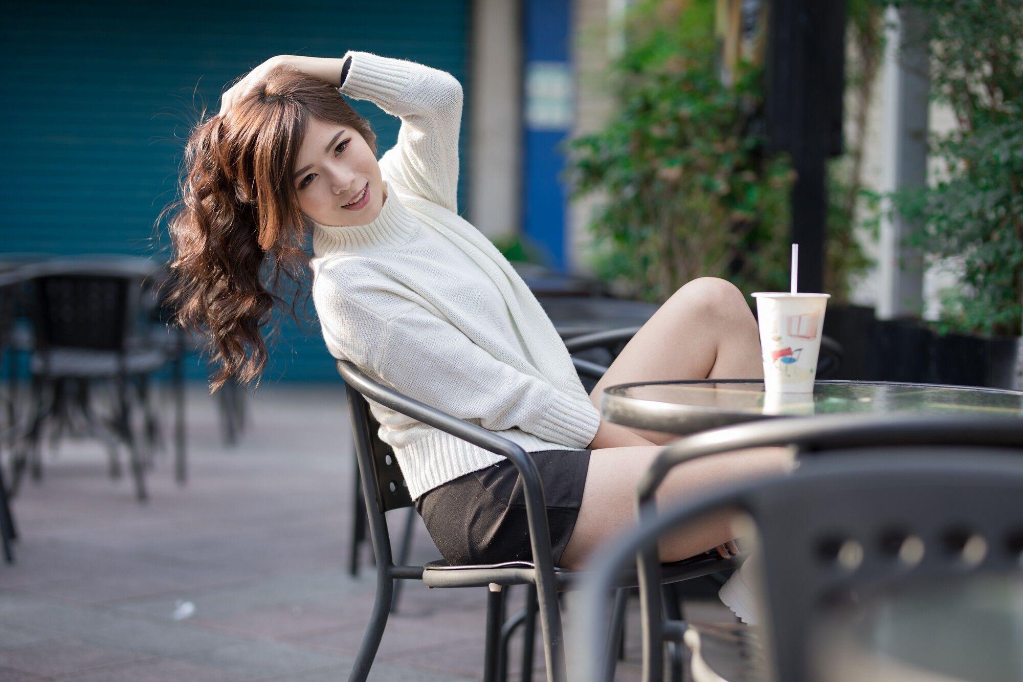 VOL.1845 [台湾正妹]街拍街拍美臀女友:方唯真(Chubby唯真)超高清个人性感漂亮大图(54P)