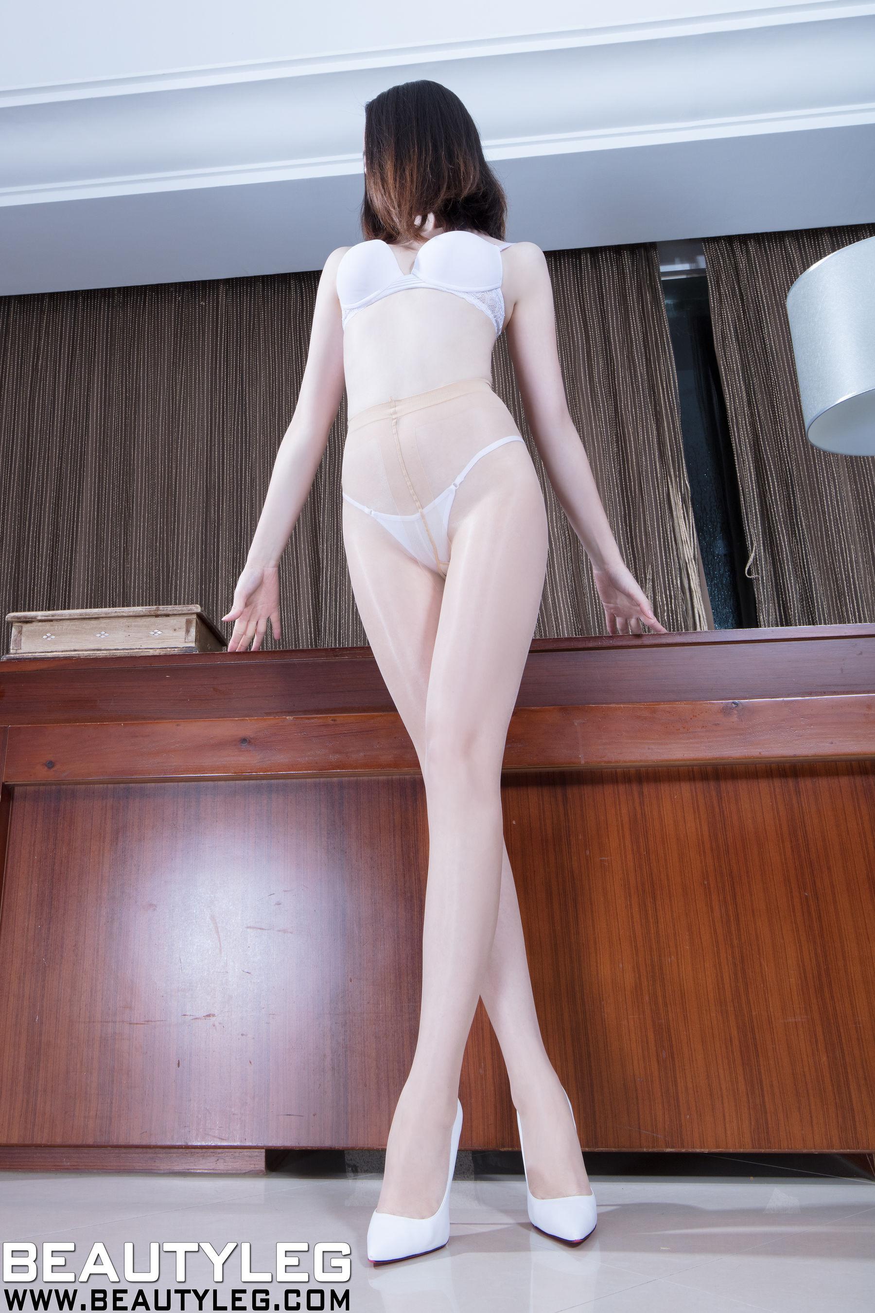 VOL.1482 [Beautyleg]丝袜美女丝袜美腿:腿模Anonymity超高清个人性感漂亮大图(59P)