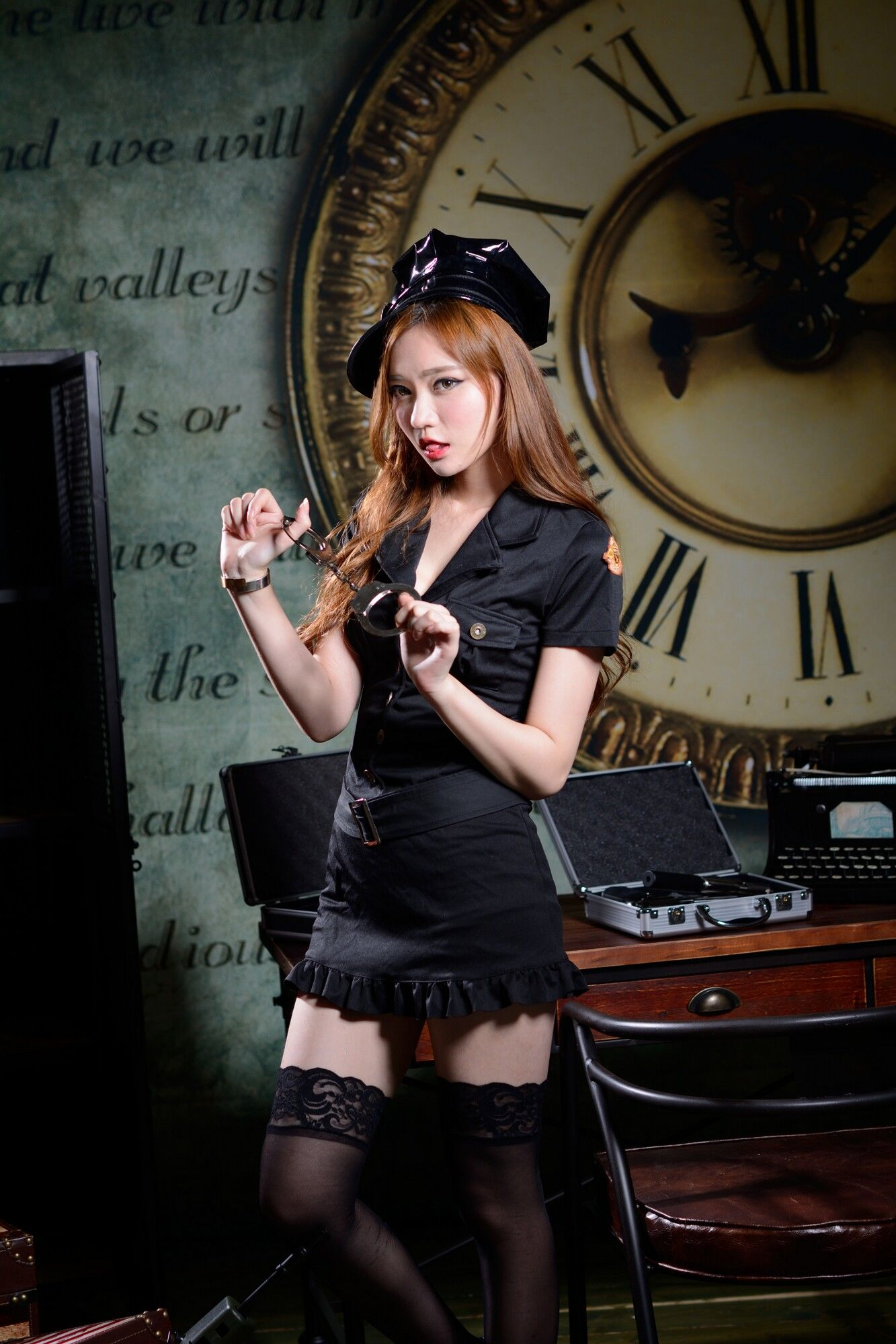 VOL.1893 [台湾正妹]捆绑绳艺黑丝女警:苏小立超高清个人性感漂亮大图(50P)