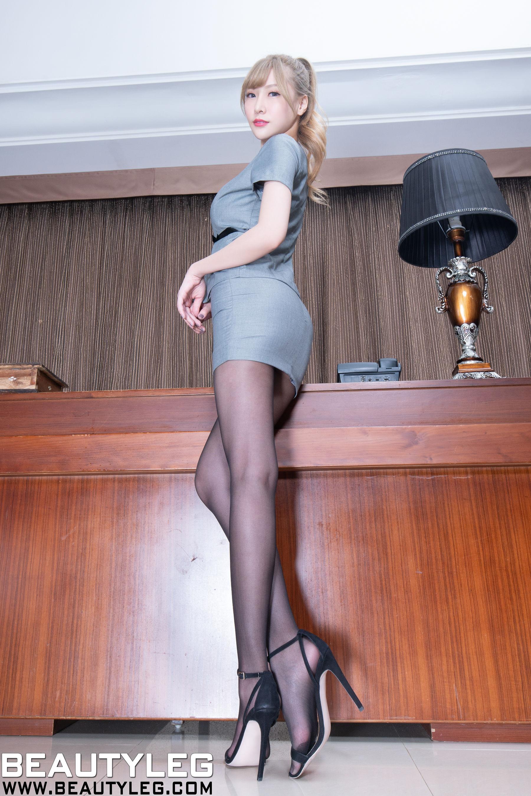 VOL.489 [Beautyleg]高跟长腿美女黑丝美腿:李小星(Beautyleg腿模Xin)超高清个人性感漂亮大图(49P)