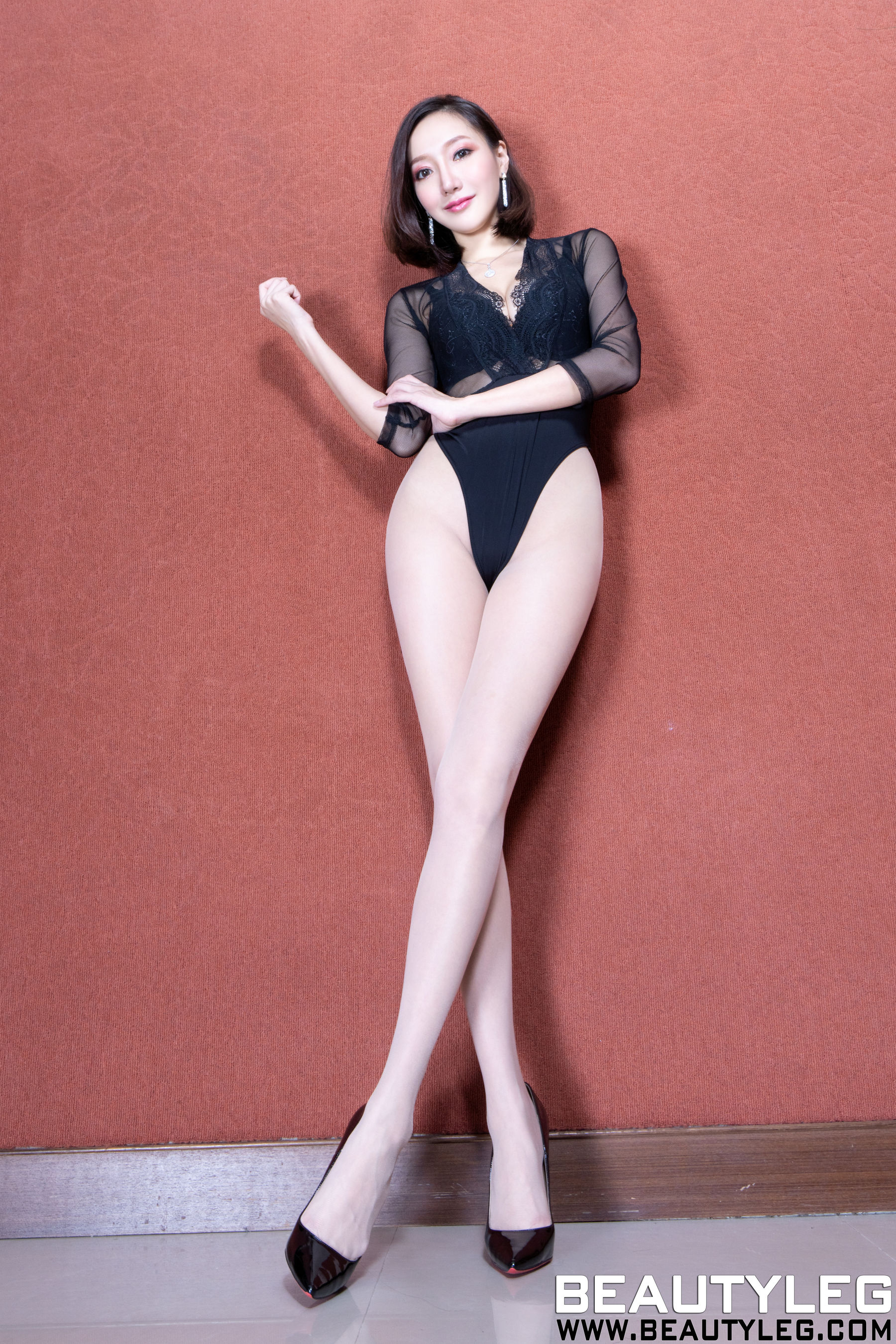 VOL.25 [Beautyleg]透视美女肉丝美腿:陈思婷(腿模Tina,李霜)超高清个人性感漂亮大图(33P)