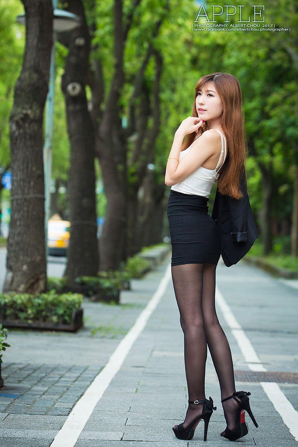 VOL.76 [台湾正妹]丝袜美腿OL美女街拍美臀丝袜女郎街拍黑丝:张闵净(小净)超高清个人性感漂亮大图(60P)