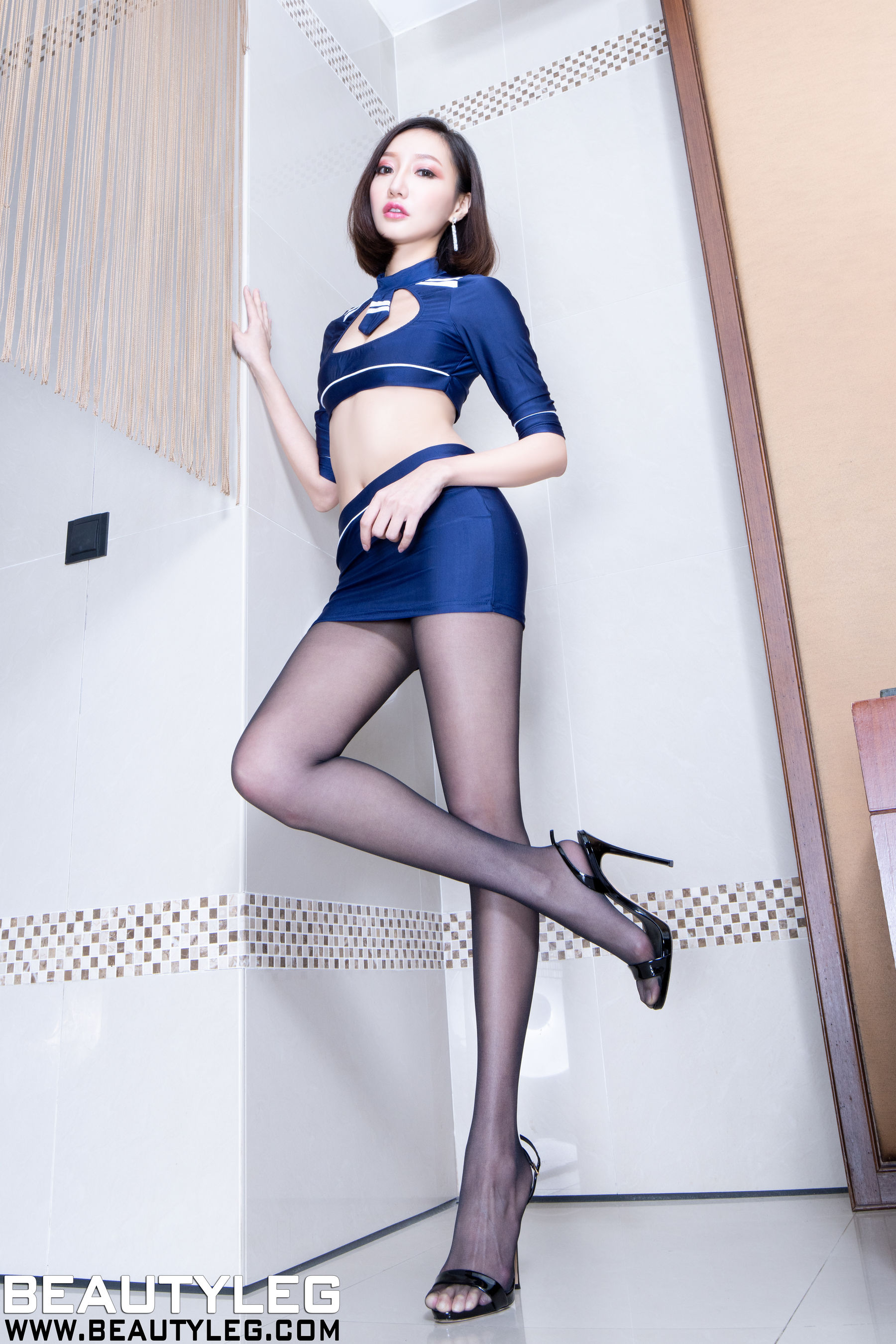 VOL.953 [Beautyleg]丝袜美腿:陈思婷(腿模Tina,李霜)超高清个人性感漂亮大图(48P)