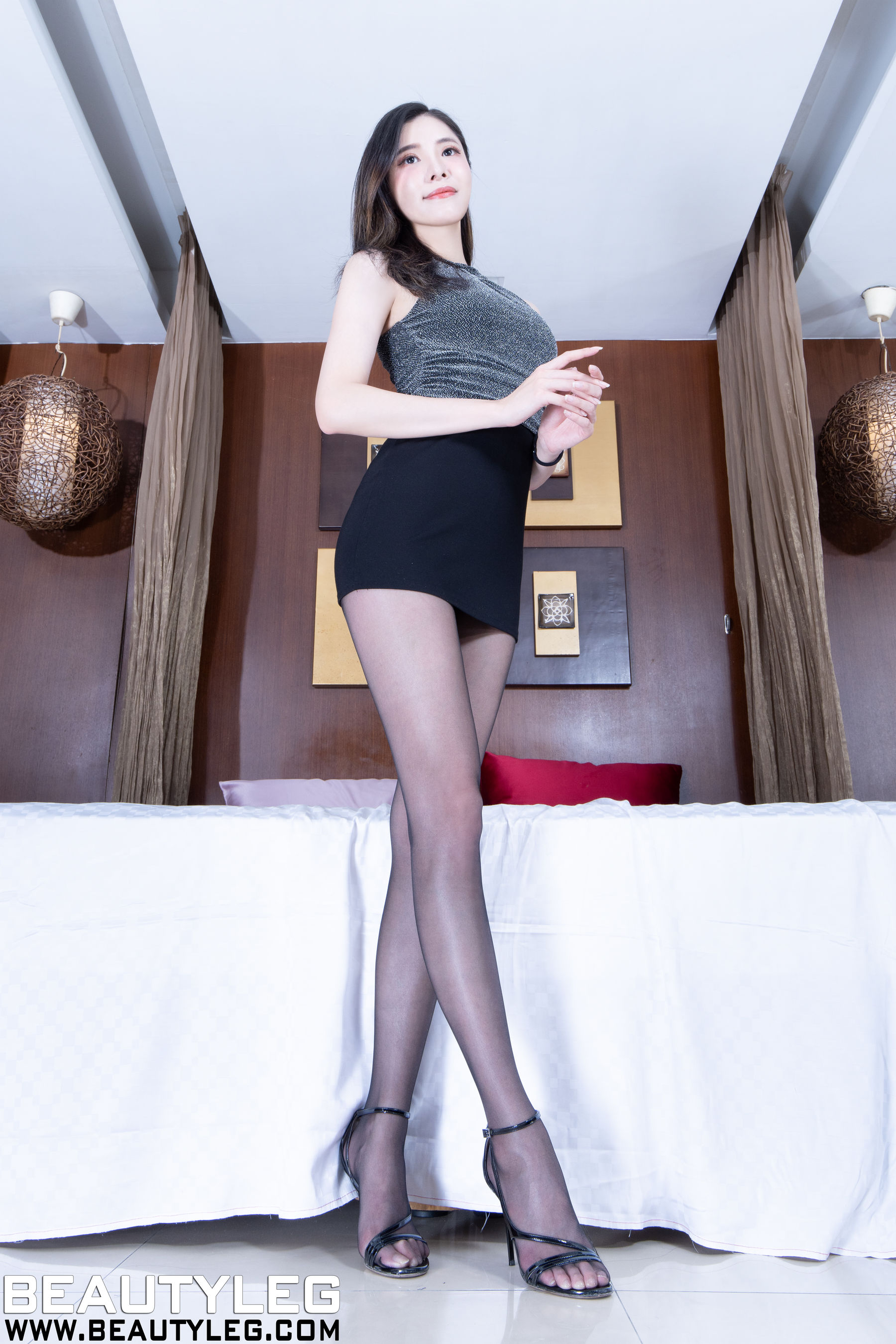 VOL.995 [Beautyleg]包臀裙美女高跟美腿:陈玉雪(腿模Abby)超高清个人性感漂亮大图(48P)