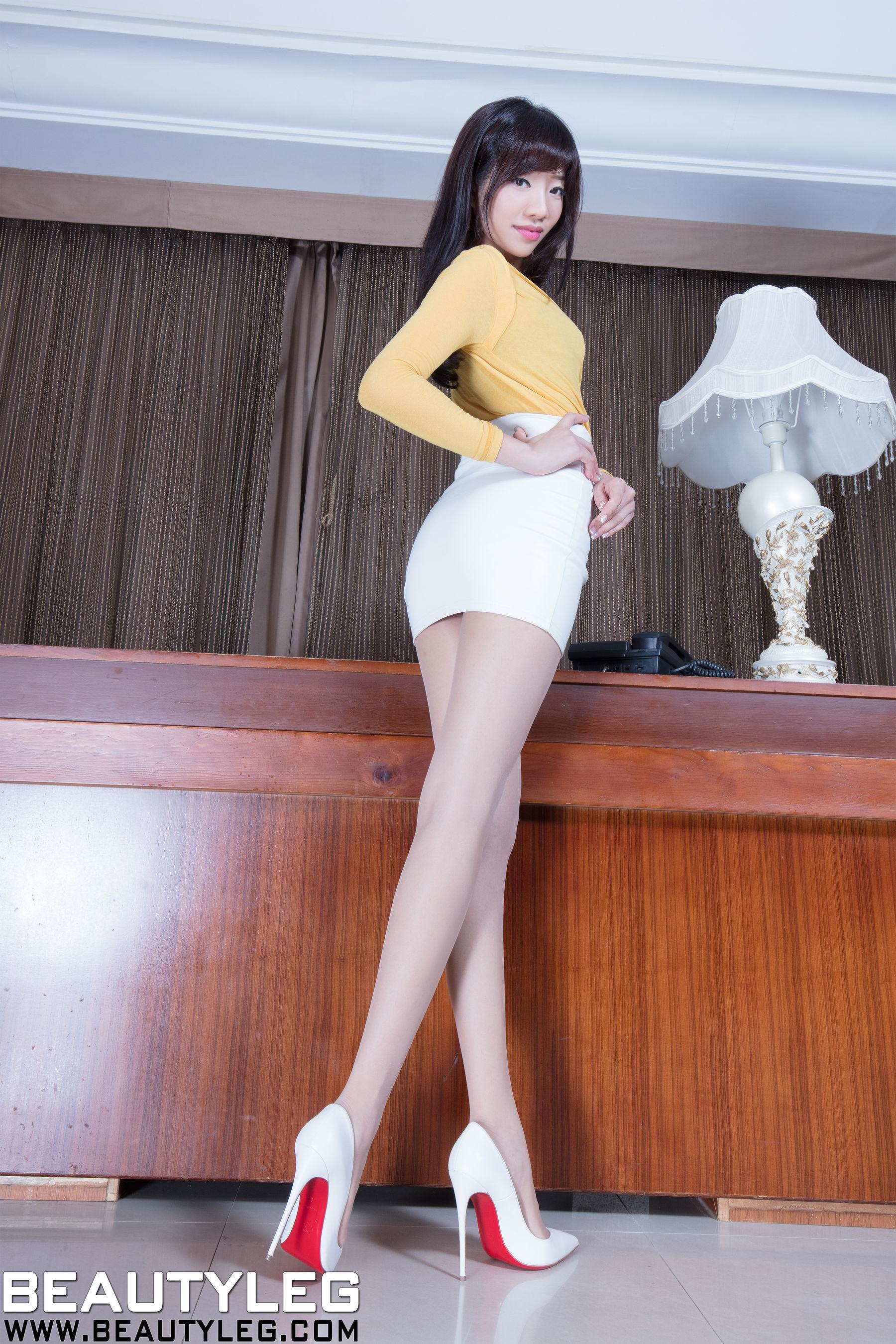 VOL.697 [Beautyleg]丝袜美腿包臀裙美女长腿美女:欣洁(腿模Celia)超高清个人性感漂亮大图(52P)
