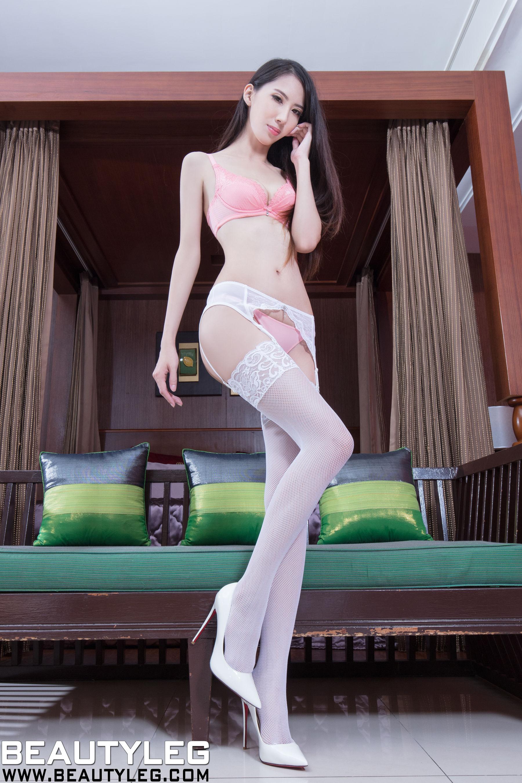 VOL.3 [Beautyleg]丝袜美腿高跟白丝:童采萱(Beautyleg Yoyo,腿模Yoyo)超高清个人性感漂亮大图(41P)
