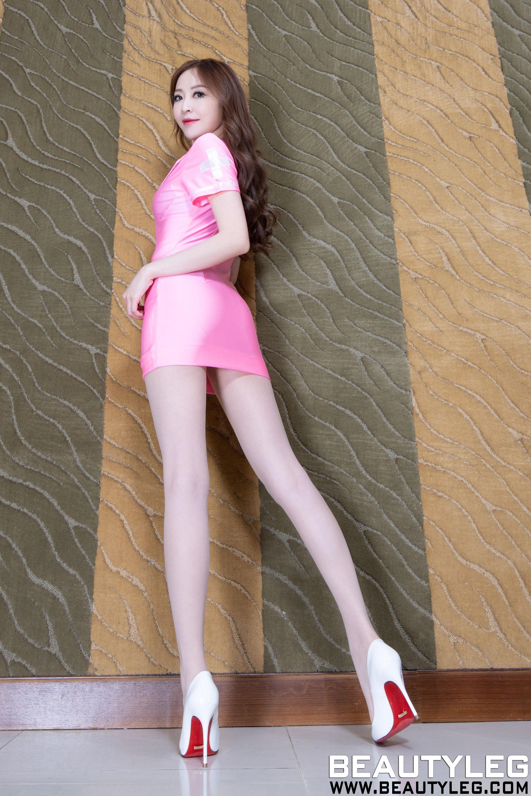 VOL.22 [Beautyleg]丝袜制服肉丝美腿:倪千凌(腿模Lucy,陈佳筠)超高清个人性感漂亮大图(43P)