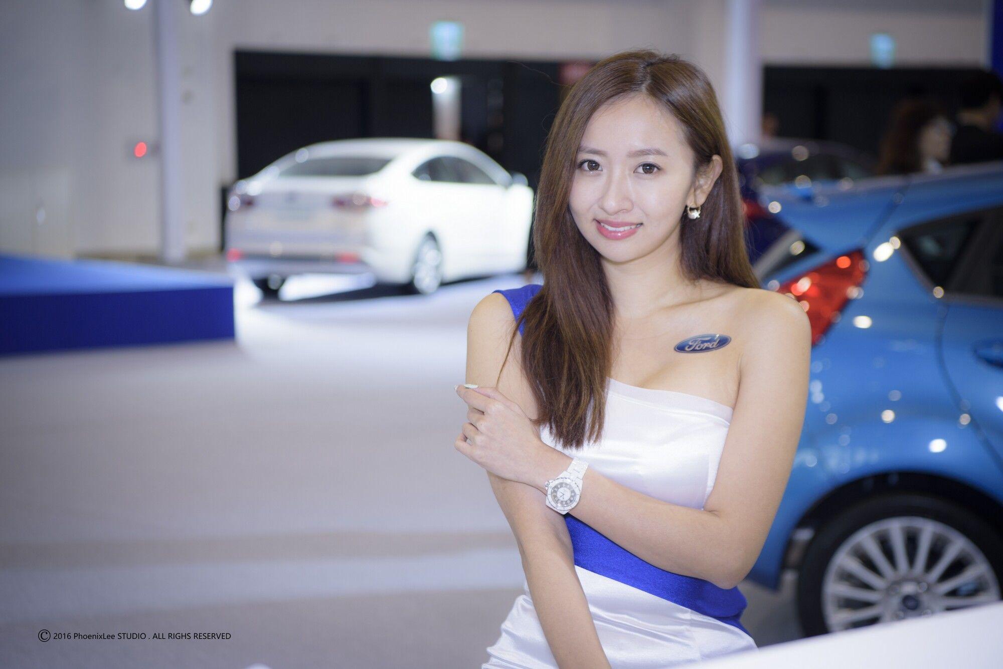 VOL.696 [台湾正妹]Show Girl车模香车美女:展台美女超高清个人性感漂亮大图(65P)