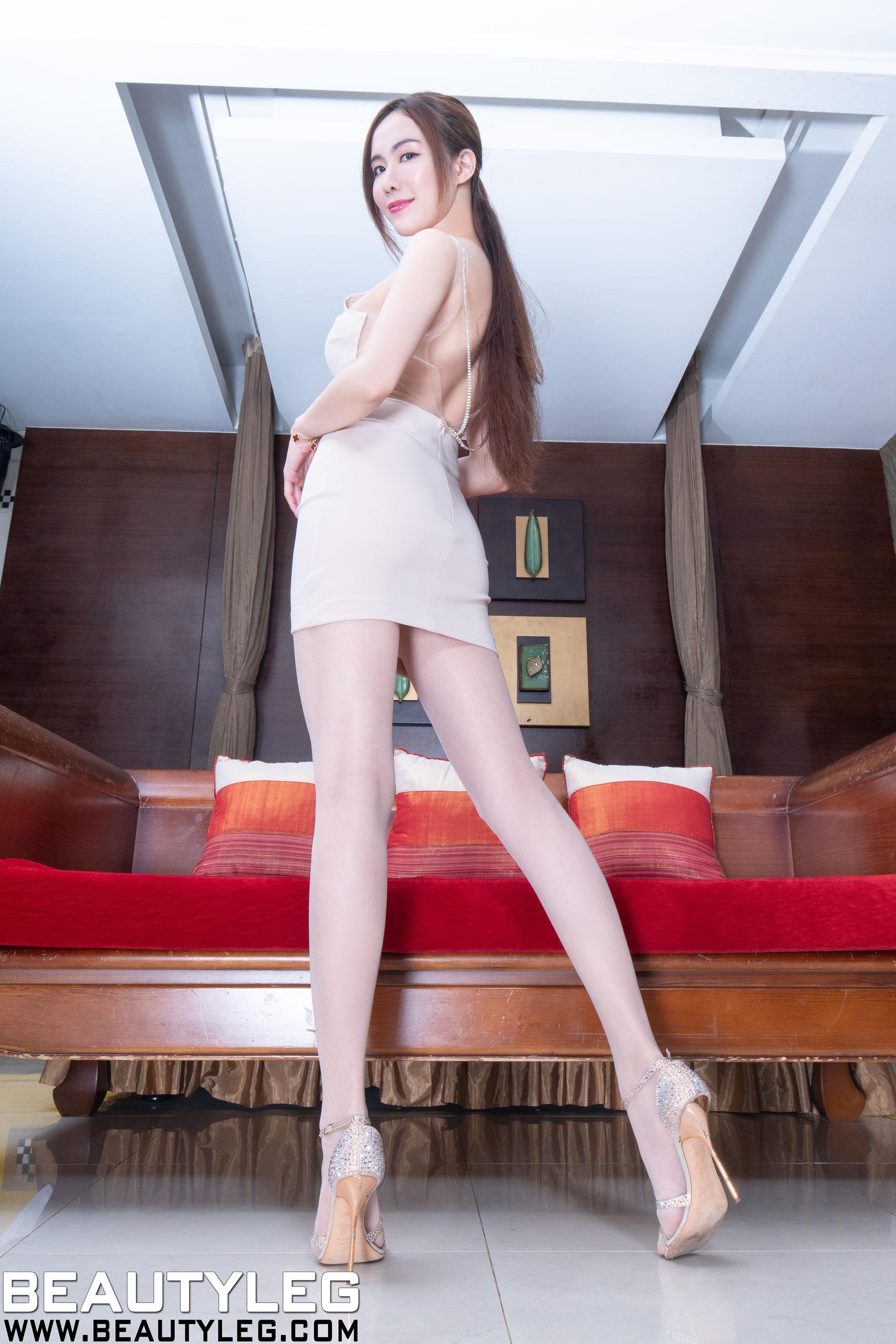 VOL.1968 [Beautyleg]丝袜美腿长腿美女:曾妍希(腿模Dora)超高清个人性感漂亮大图(52P)