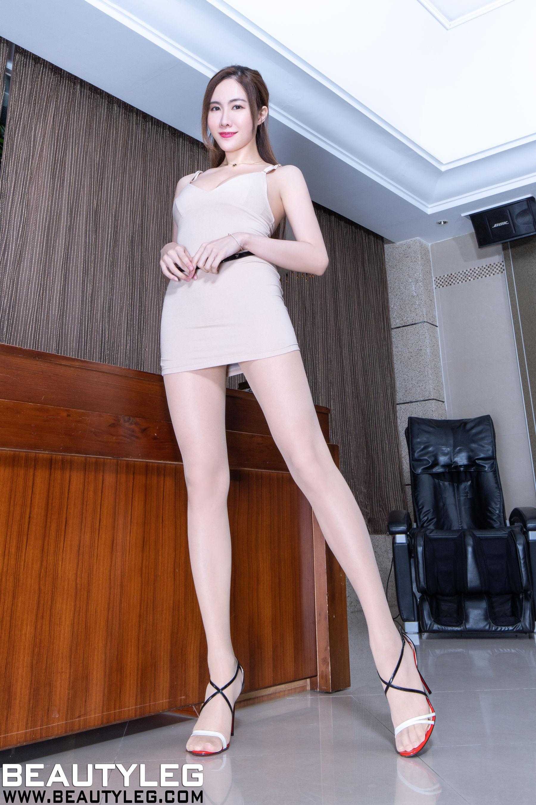 VOL.1734 [Beautyleg]包臀裙美女:曾妍希(腿模Dora)超高清个人性感漂亮大图(45P)