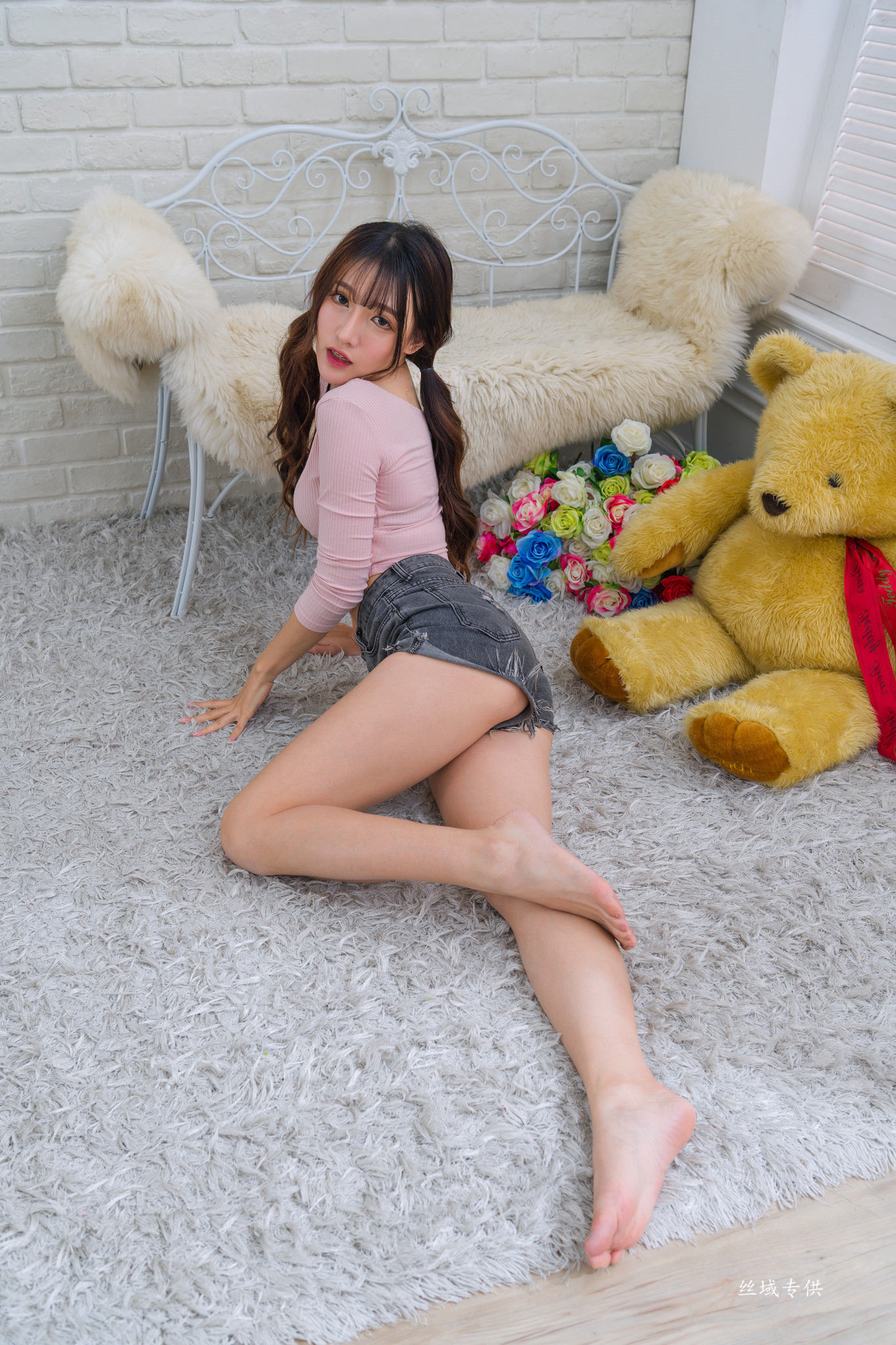 VOL.1545 [台湾正妹]美腿妹子嫩模:比比儿(Katie Chiu)超高清个人性感漂亮大图(79P)