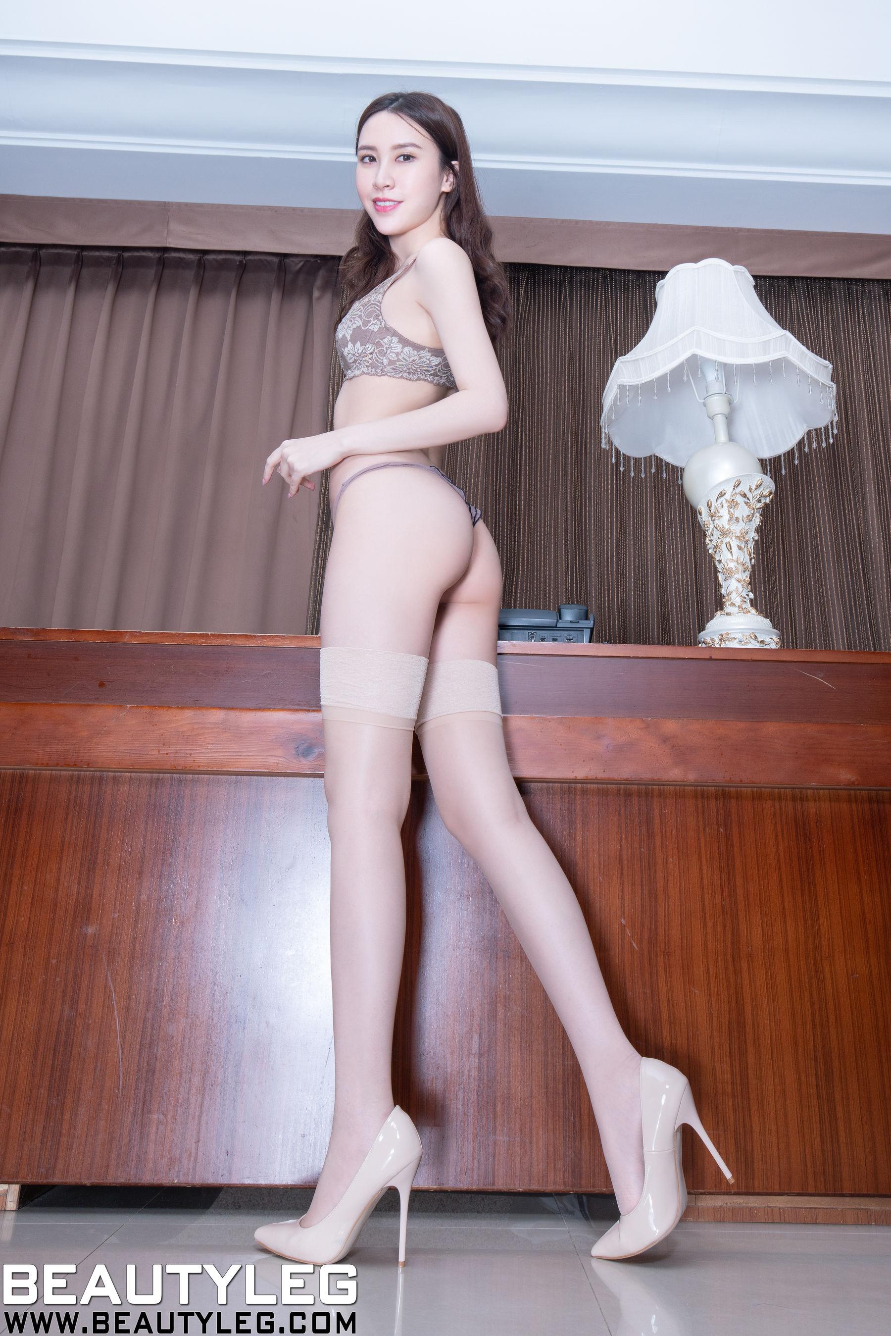 VOL.1818 [Beautyleg]丝袜美腿高跟:崔多朵(崔德蓉,腿模Stephy)超高清个人性感漂亮大图(44P)
