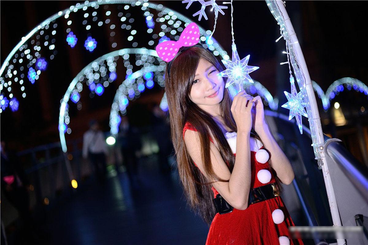 VOL.930 [台湾正妹]圣诞街拍:张雅筑(腿模Chu,张小筑)超高清个人性感漂亮大图(30P)