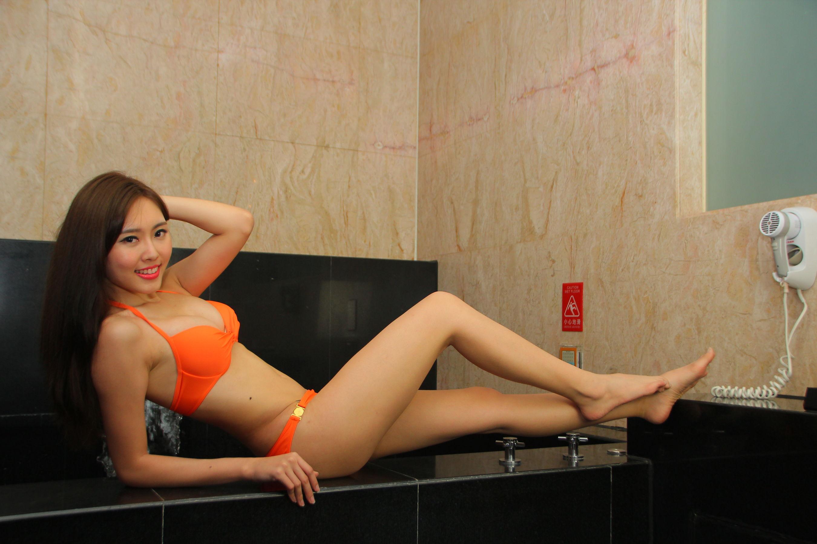 VOL.868 [台湾正妹]比基尼:郭珉妏(腿模Queenie)超高清个人性感漂亮大图(36P)