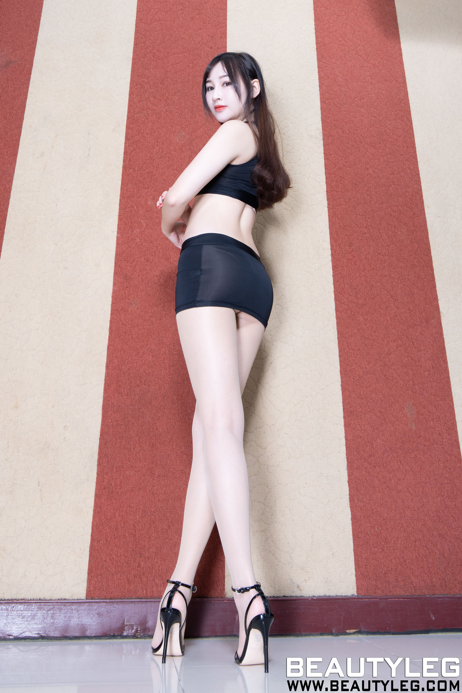 VOL.1567 [Beautyleg]肉丝袜长腿美女:腿模ChiChi超高清个人性感漂亮大图(43P)