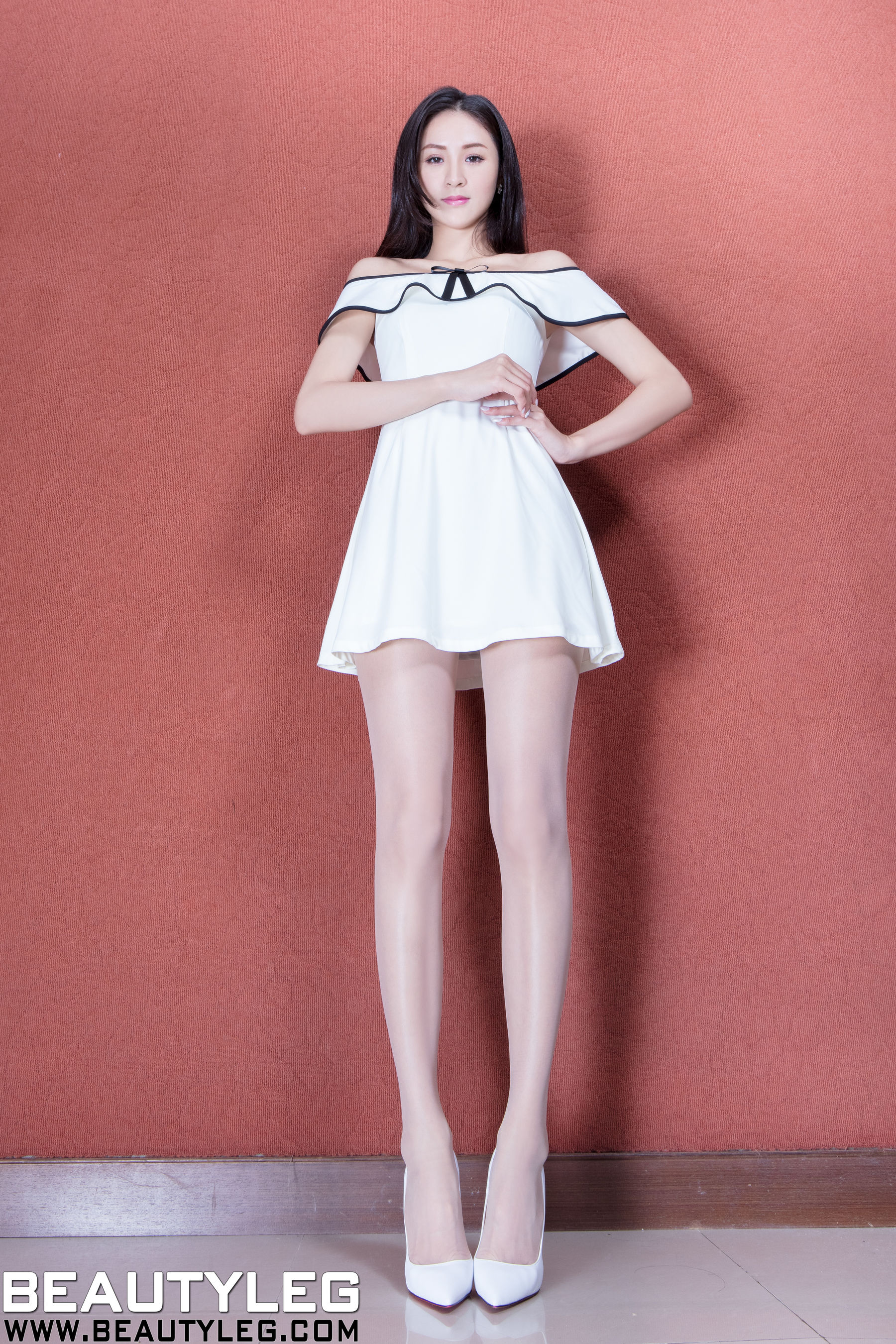 VOL.294 [Beautyleg]美腿高跟:Lola雪岑(腿模Lola)超高清个人性感漂亮大图(58P)
