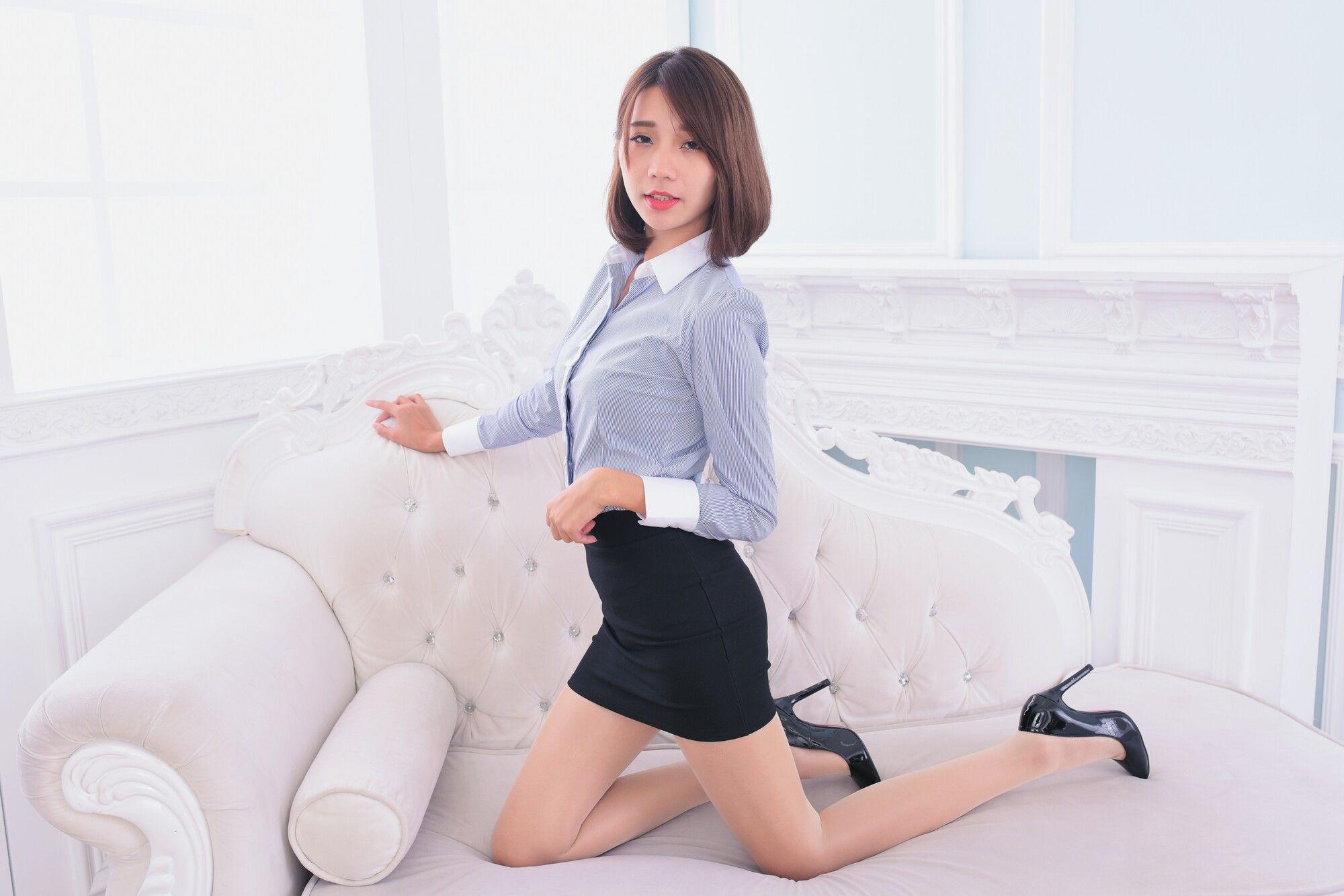 VOL.1275 [台湾正妹]OL美女长腿美女:黄竹萱超高清个人性感漂亮大图(30P)