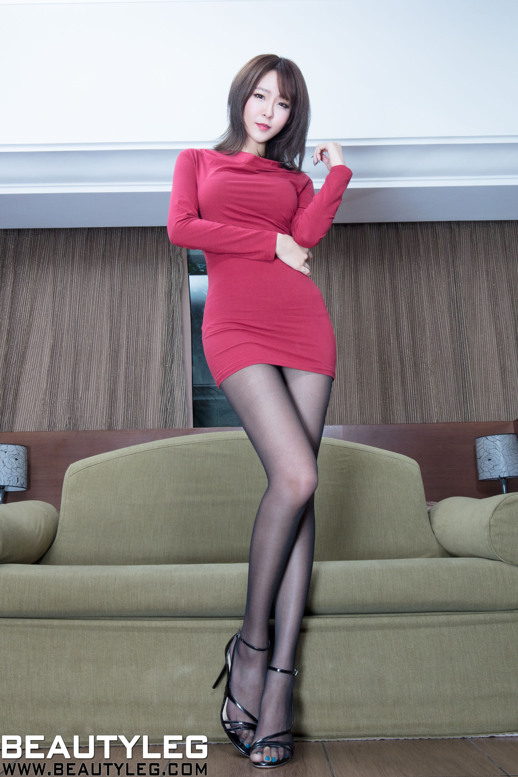 VOL.1622 [Beautyleg]旗袍优雅美女长腿美女:Winnie小雪(庄咏惠,庄温妮,腿模Winnie)超高清个人性感漂亮大图(45P)