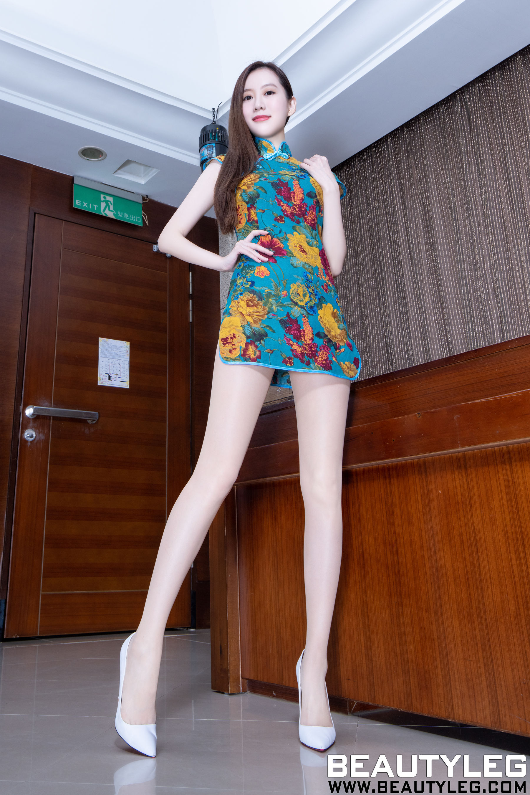 VOL.94 [Beautyleg]高跟美腿:董靓予(腿模Penny)超高清个人性感漂亮大图(46P)