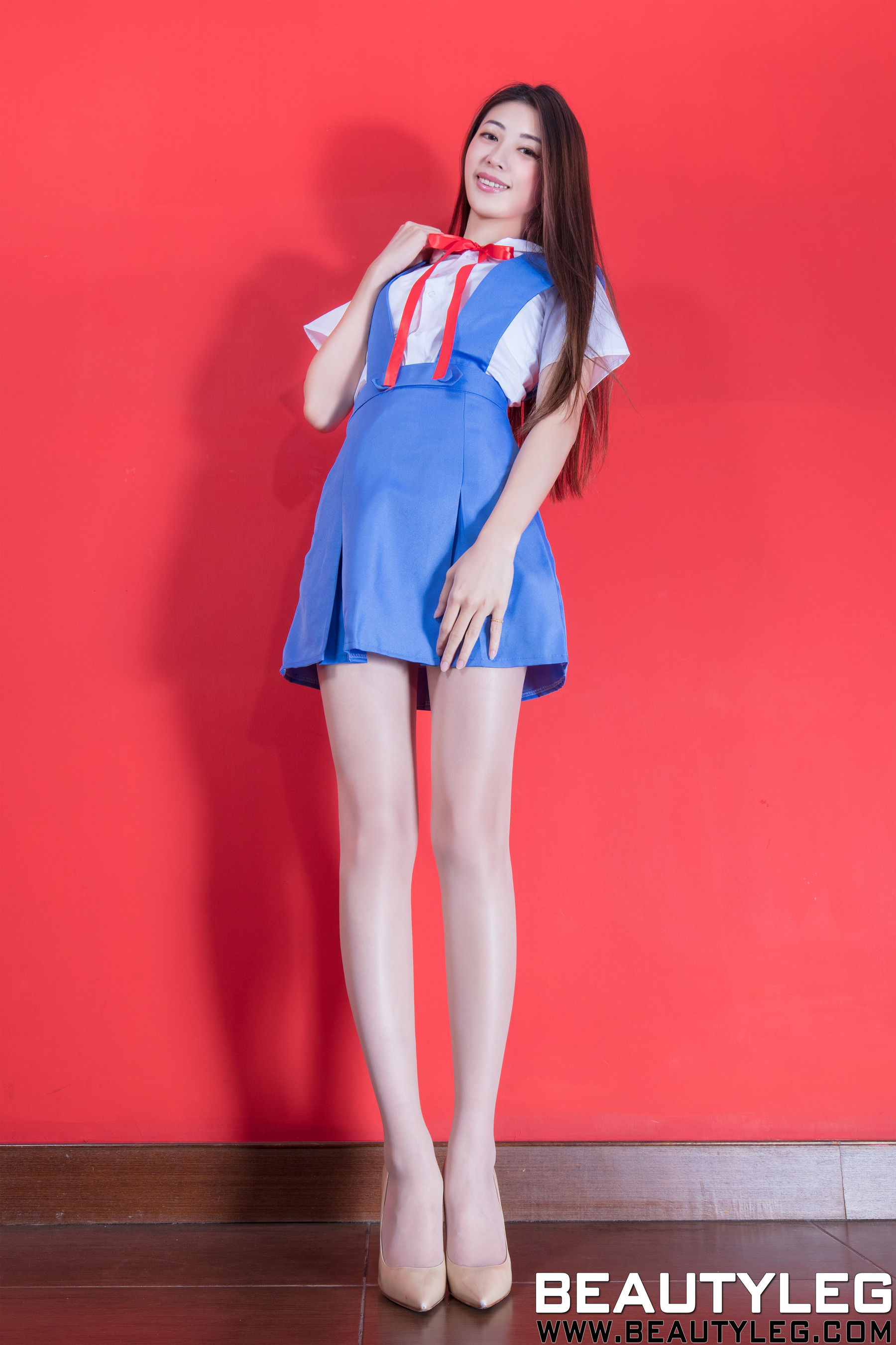 VOL.1626 [Beautyleg]丝袜美女美腿肉丝袜:蔡茵茵(腿模Flora)超高清个人性感漂亮大图(49P)