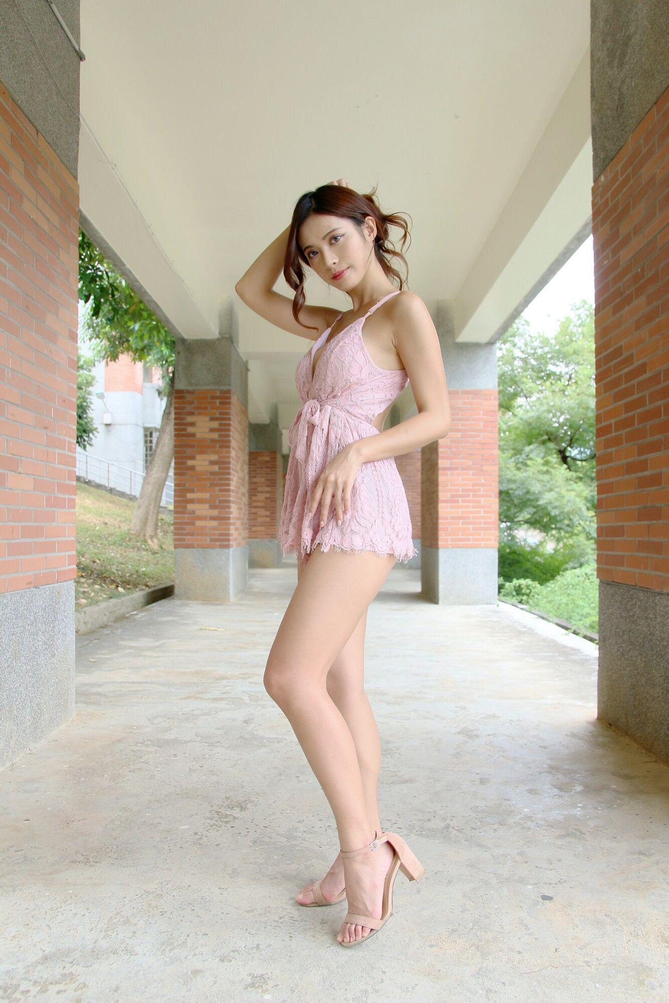 VOL.597 [台湾正妹]御姐轻熟女:黄书庭(黃書庭Vivibabier)超高清个人性感漂亮大图(43P)