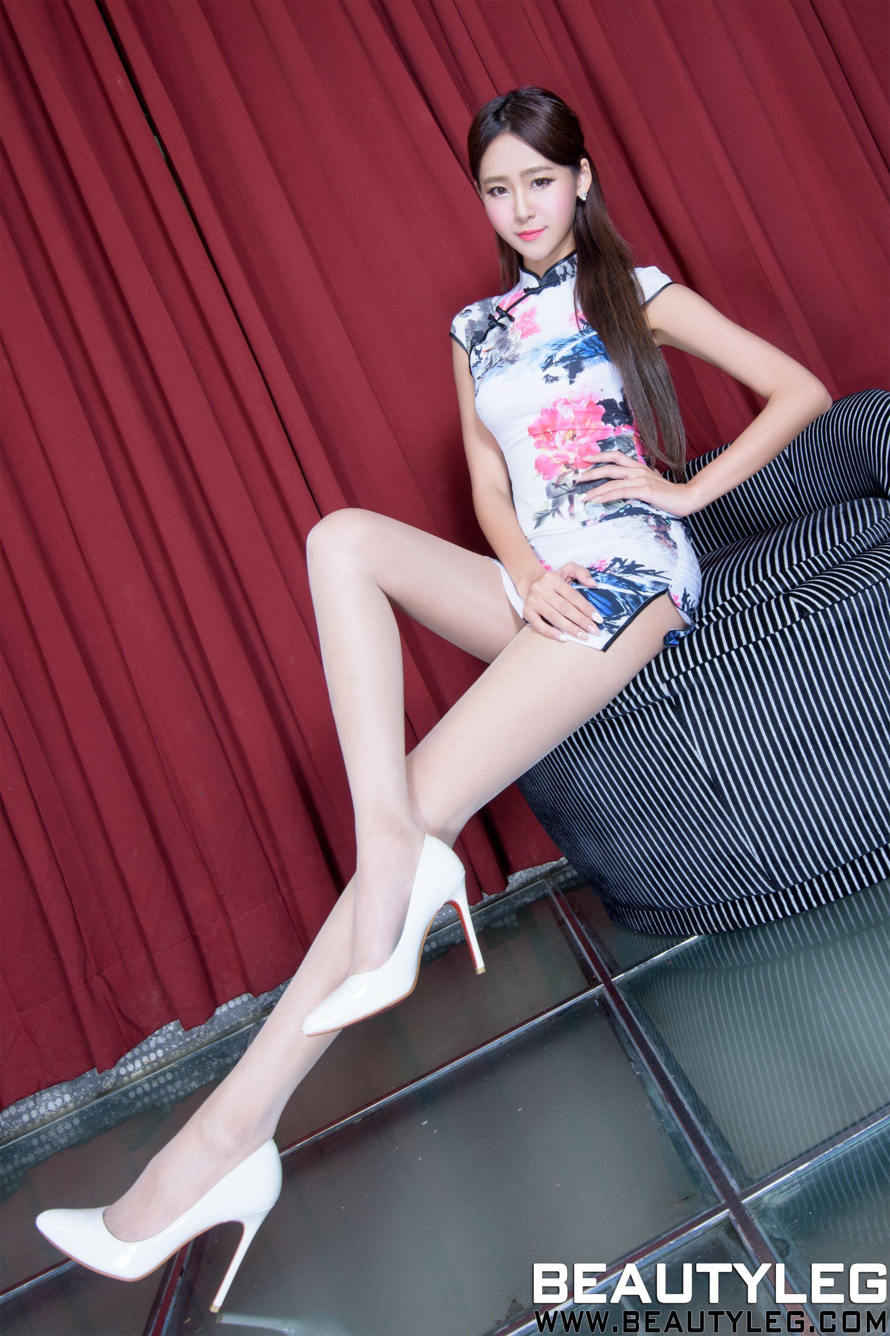 VOL.1534 [Beautyleg]美腿极品旗袍:Winnie小雪(庄咏惠,庄温妮,腿模Winnie)超高清个人性感漂亮大图(45P)