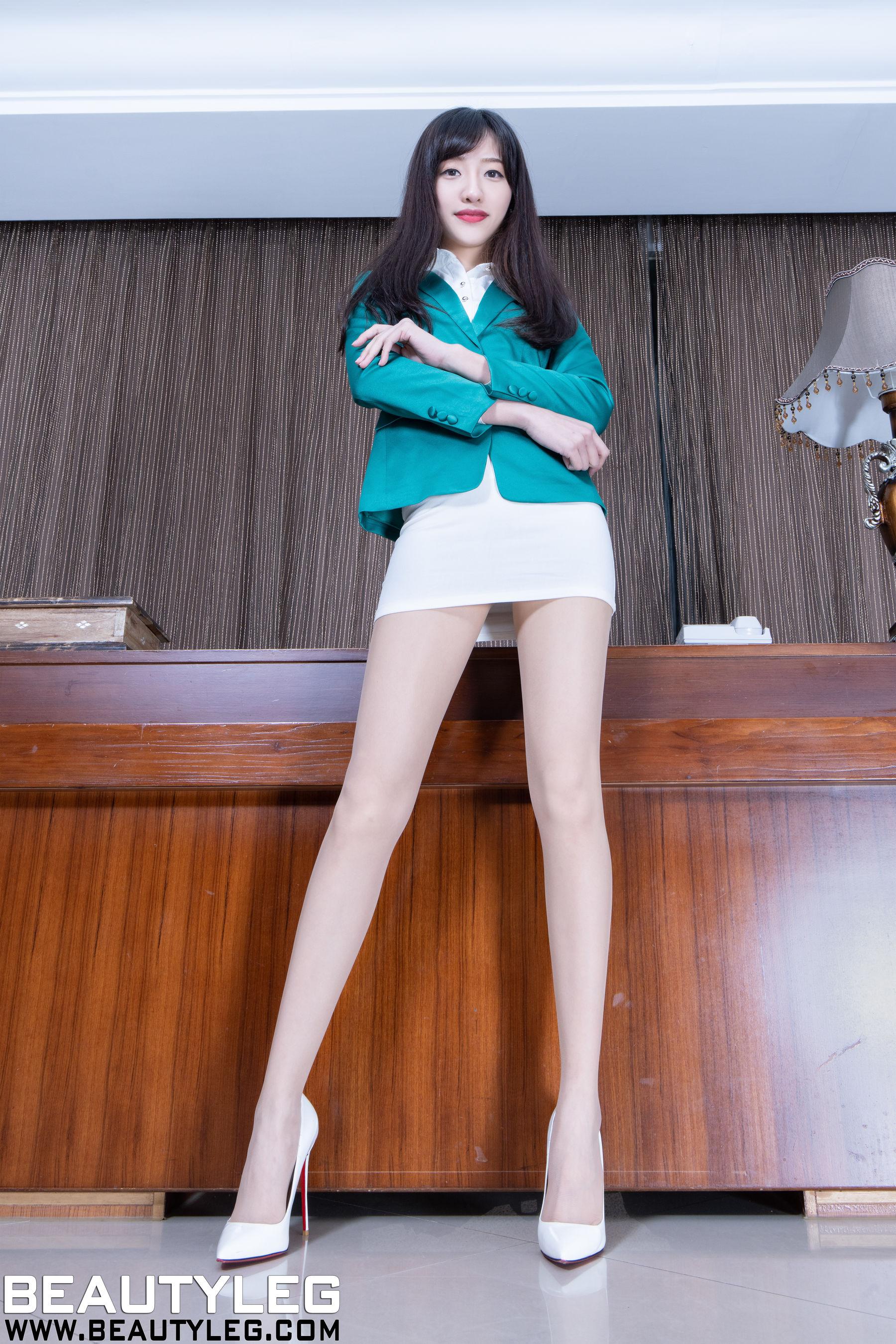VOL.620 [Beautyleg]肉丝美腿:欣洁(腿模Celia)超高清个人性感漂亮大图(36P)