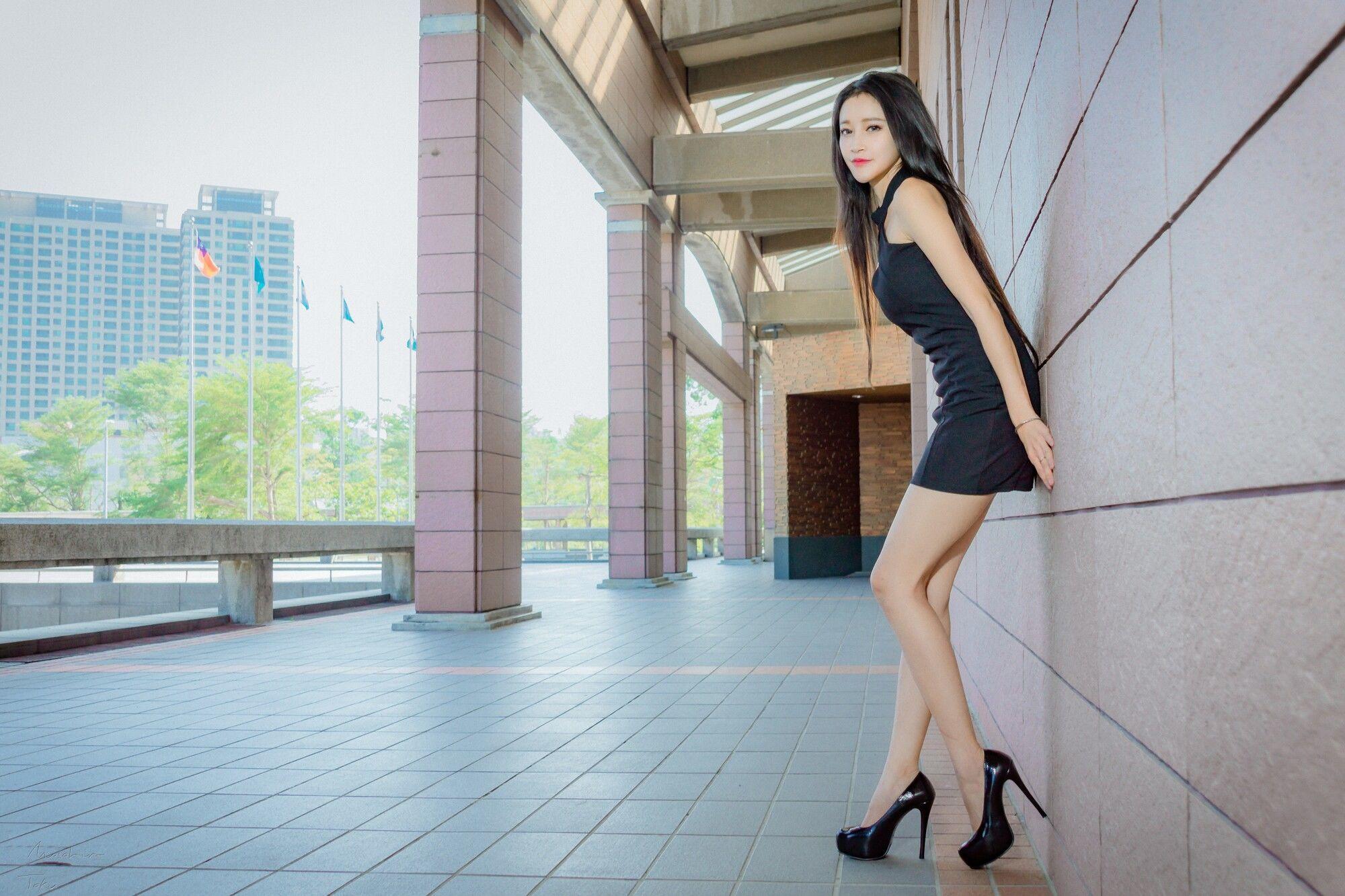 VOL.1614 [台湾正妹]极品女神正妹长腿美女:詹艾葳(腿模Avril,腿模Arvil)超高清个人性感漂亮大图(71P)