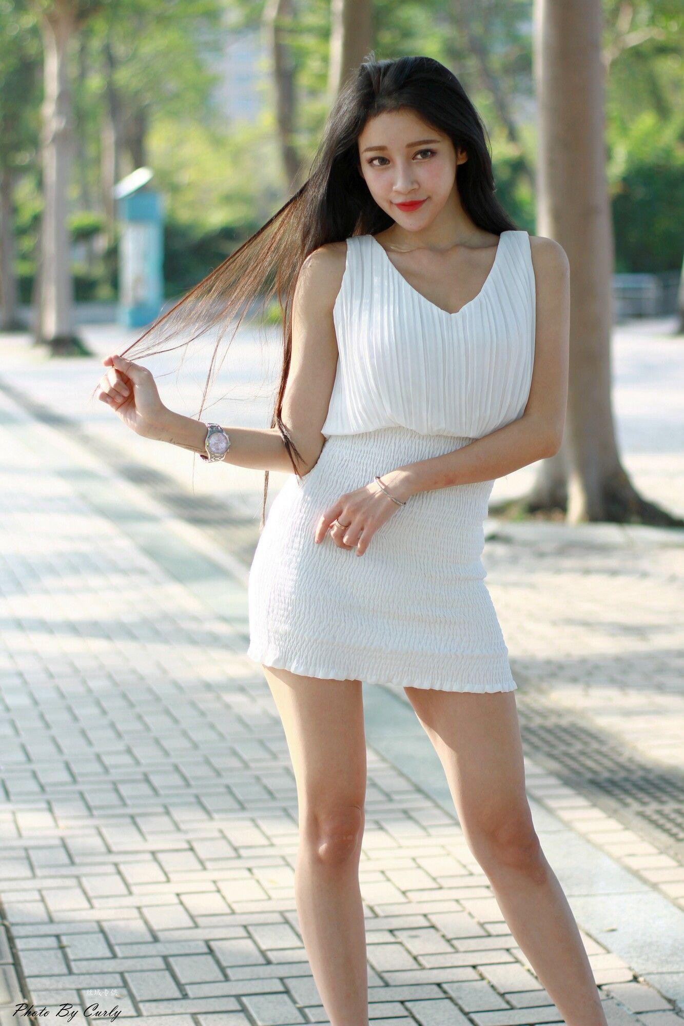 VOL.996 [台湾正妹]女神包臀裙美女长发美女街拍美腿街拍短裙:詹艾葳(腿模Avril,腿模Arvil)超高清个人性感漂亮大图(67P)