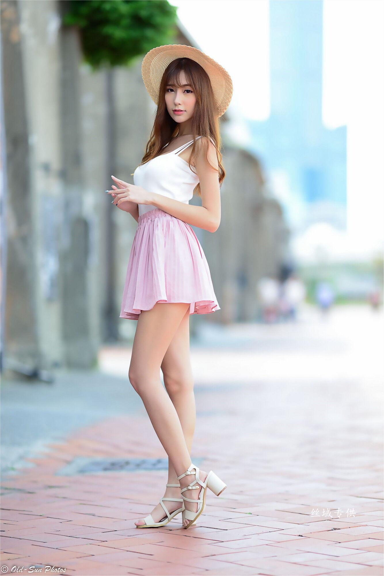 VOL.1908 [台湾正妹]甜美女神街拍连衣裙:黄上晏(黄上晏Rubis)超高清个人性感漂亮大图(99P)