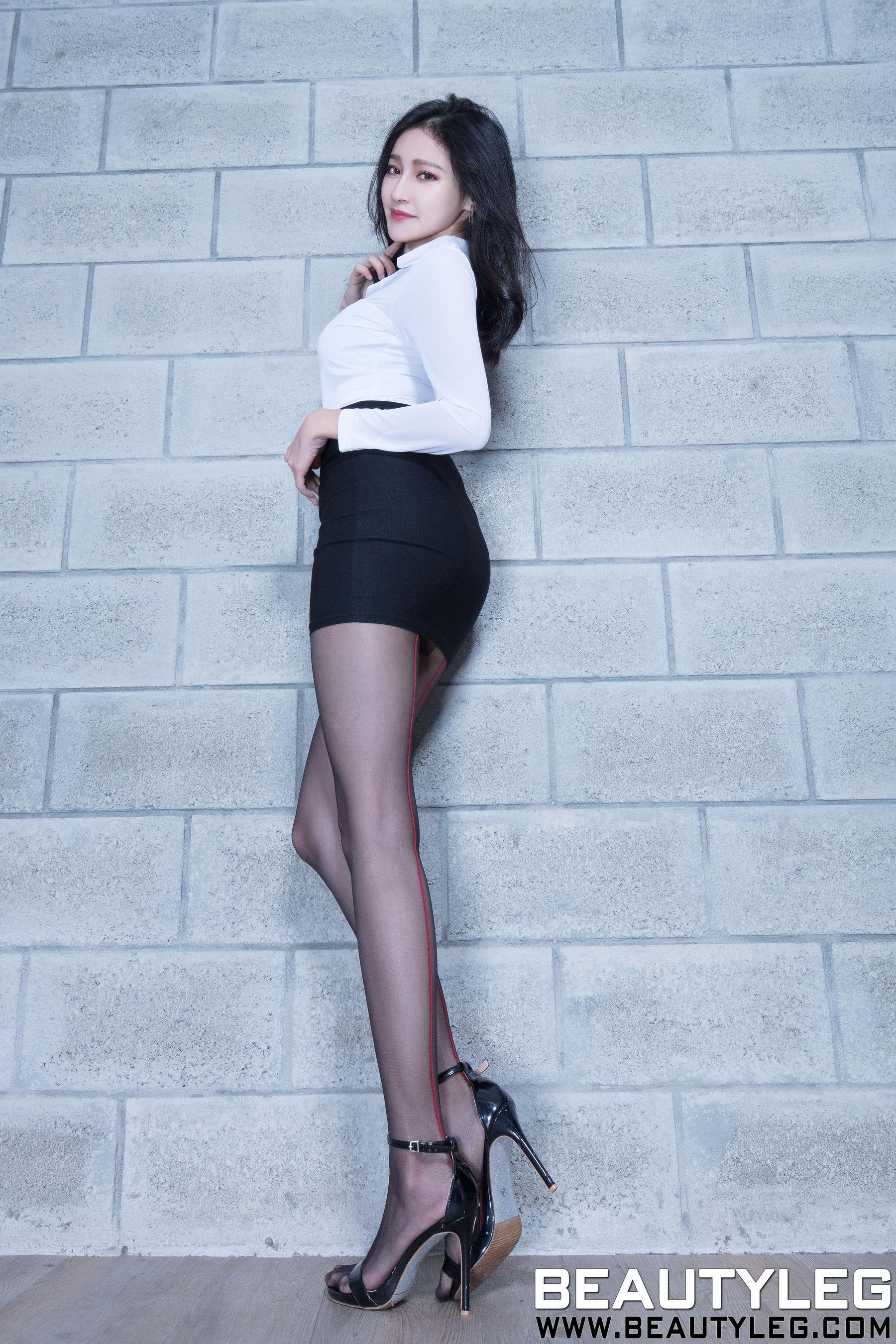 VOL.584 [Beautyleg]丝袜美腿黑丝长腿美女:詹艾葳(腿模Avril,腿模Arvil)超高清个人性感漂亮大图(54P)