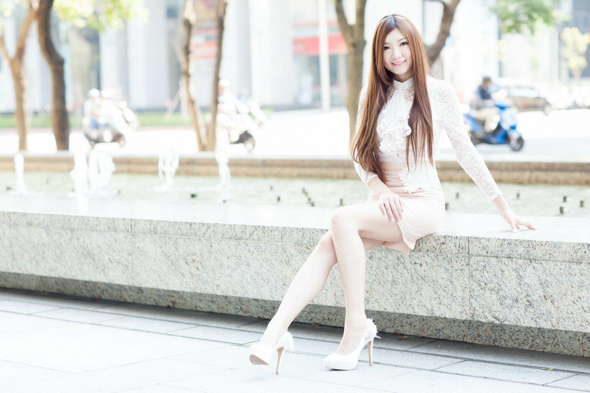 VOL.96 [台湾正妹]蕾丝街拍阳光包臀裙美女:谢馥羽(腿模Michelle,Michelle小羽)超高清个人性感漂亮大图(109P)