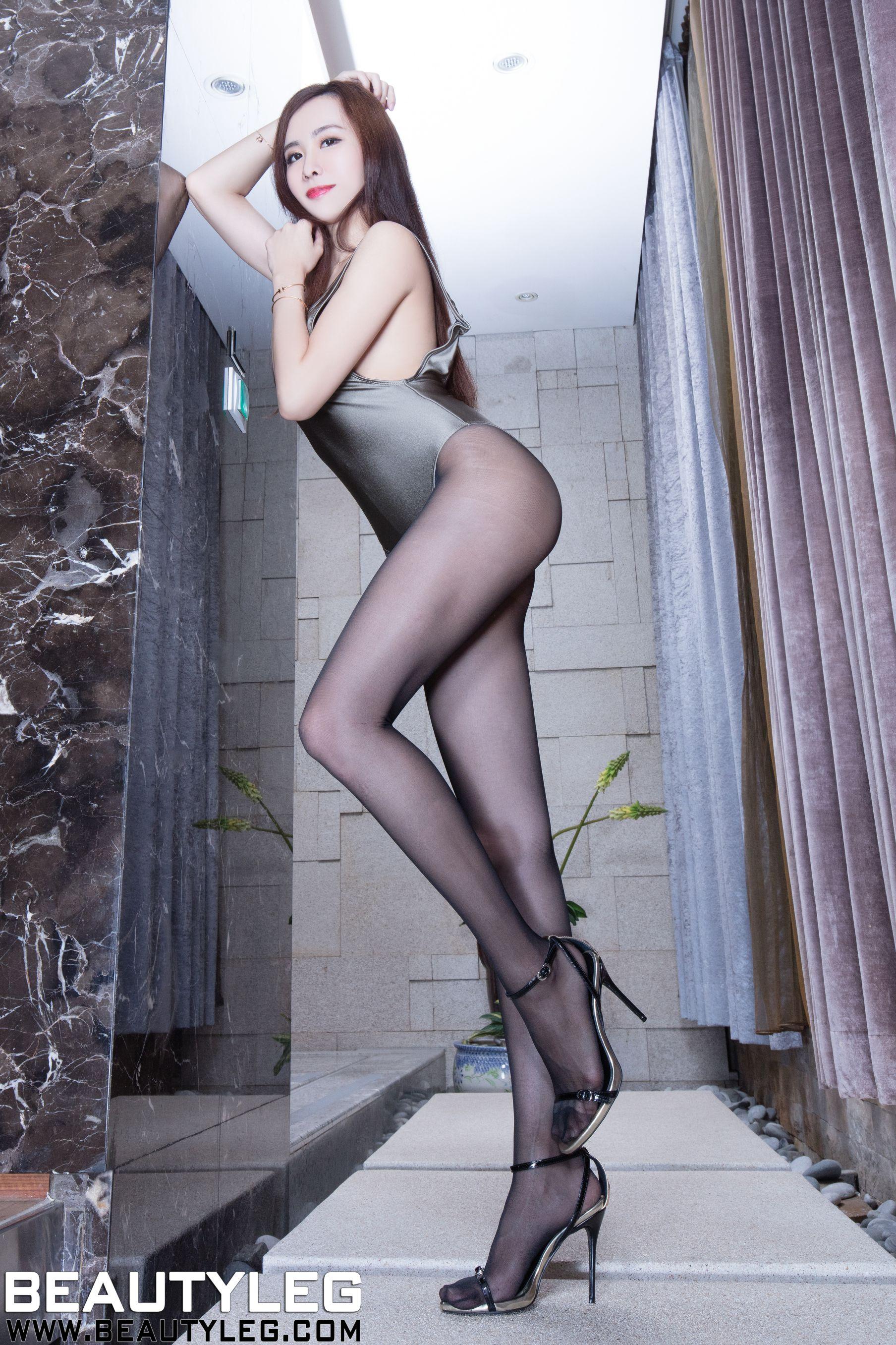 VOL.1366 [Beautyleg]丝袜美腿黑丝长腿美女:曾妍希(腿模Dora)高品质写真套图(56P)