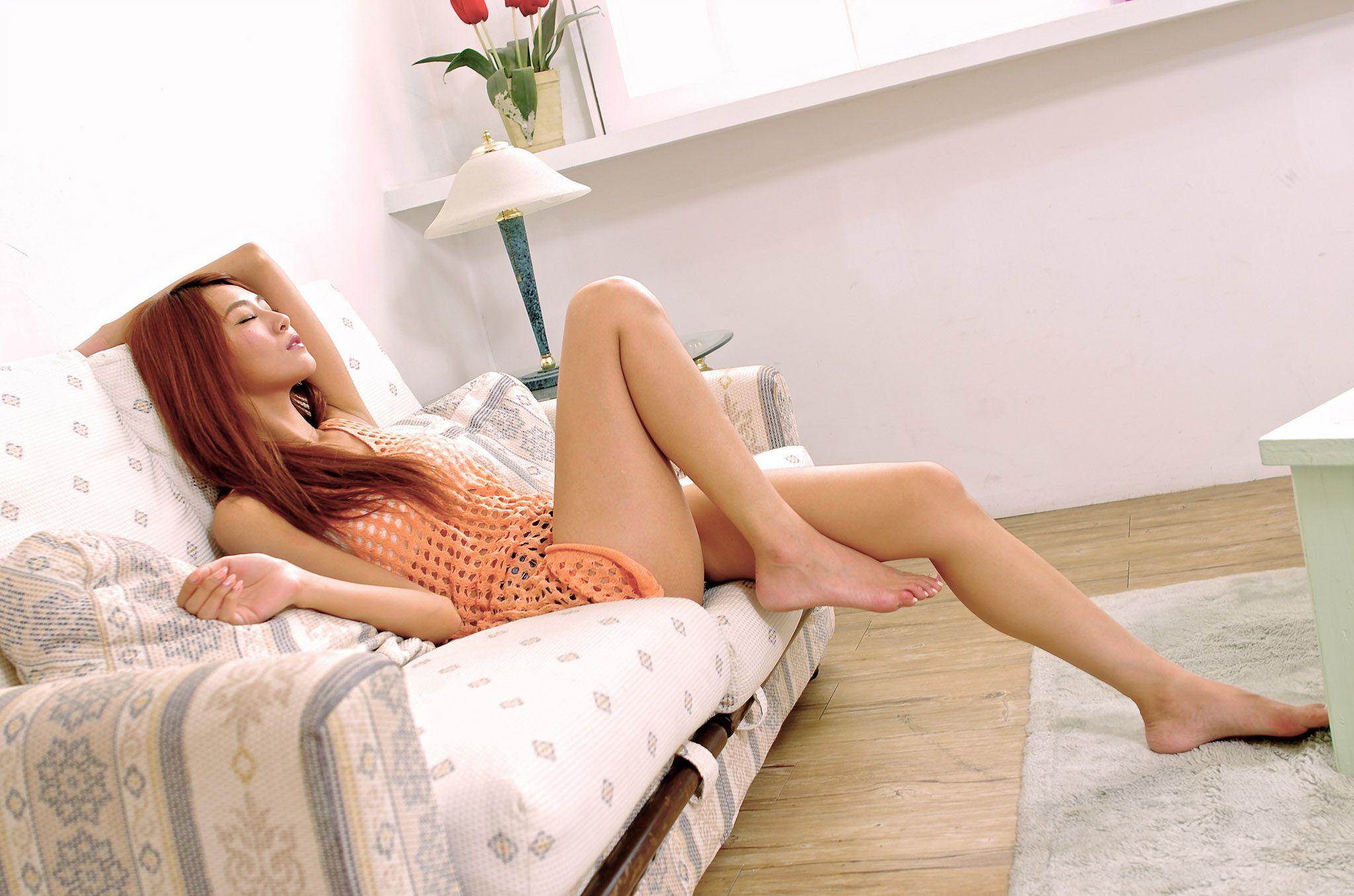 VOL.1916 [网络美女]可爱清纯甜美长发美女:Winnie小雪(庄咏惠,庄温妮,腿模Winnie)高品质写真套图(67P)