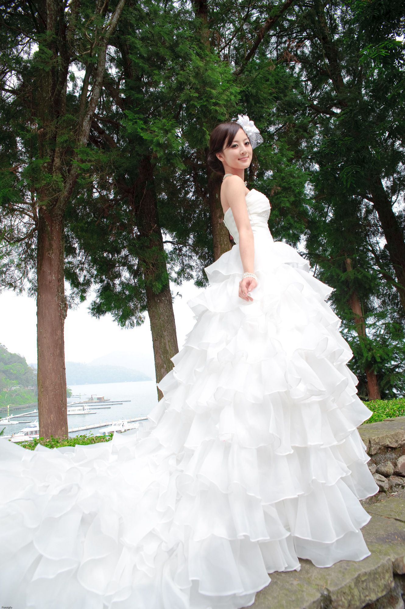 VOL.364 [台湾正妹]极品清新唯美女神婚纱:张凯洁(张允霏,果子MM)高品质写真套图(50P)