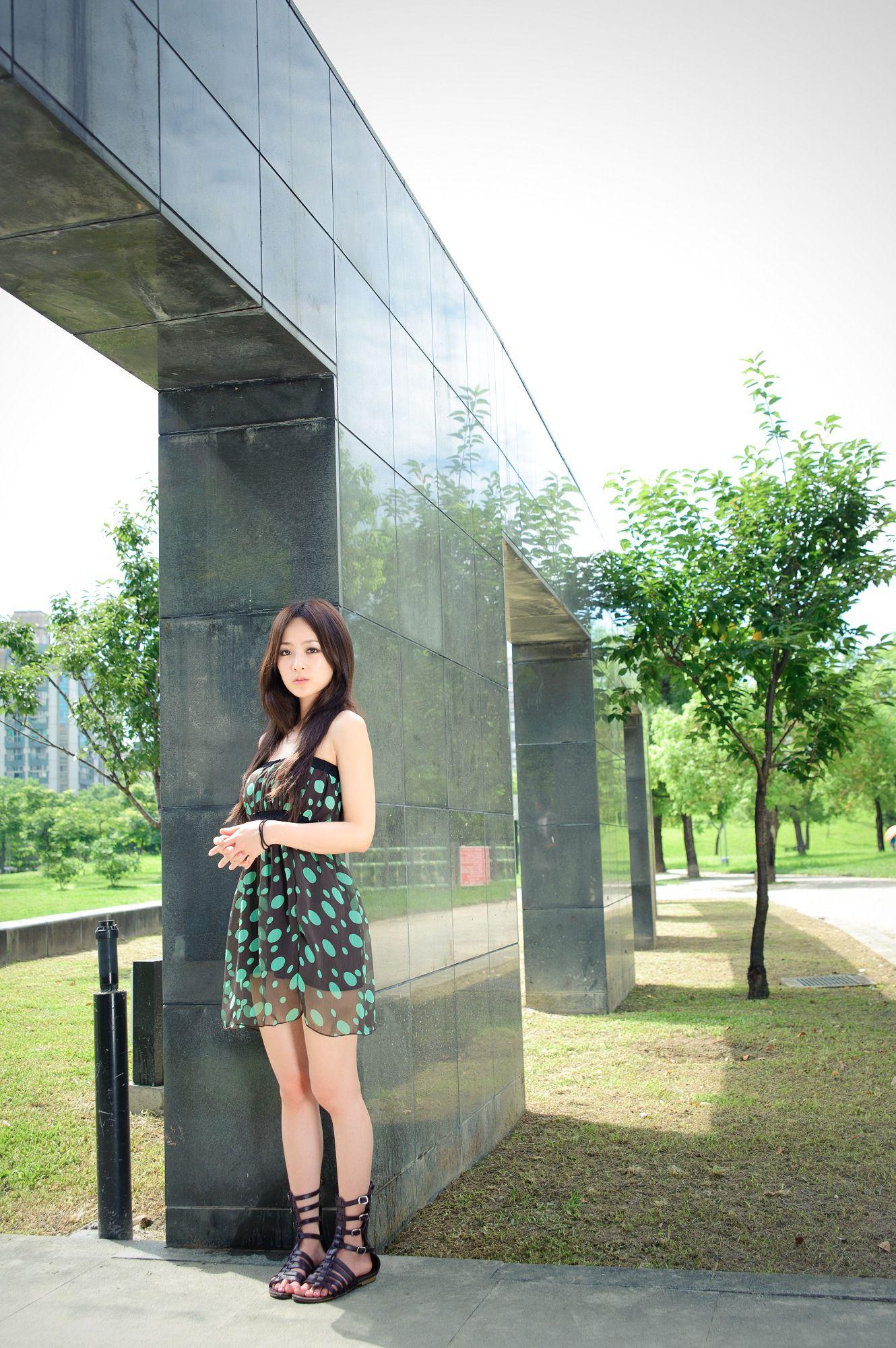 VOL.1426 [台湾正妹]唯美户外美女:张凯洁(张允霏,果子MM)高品质写真套图(56P)