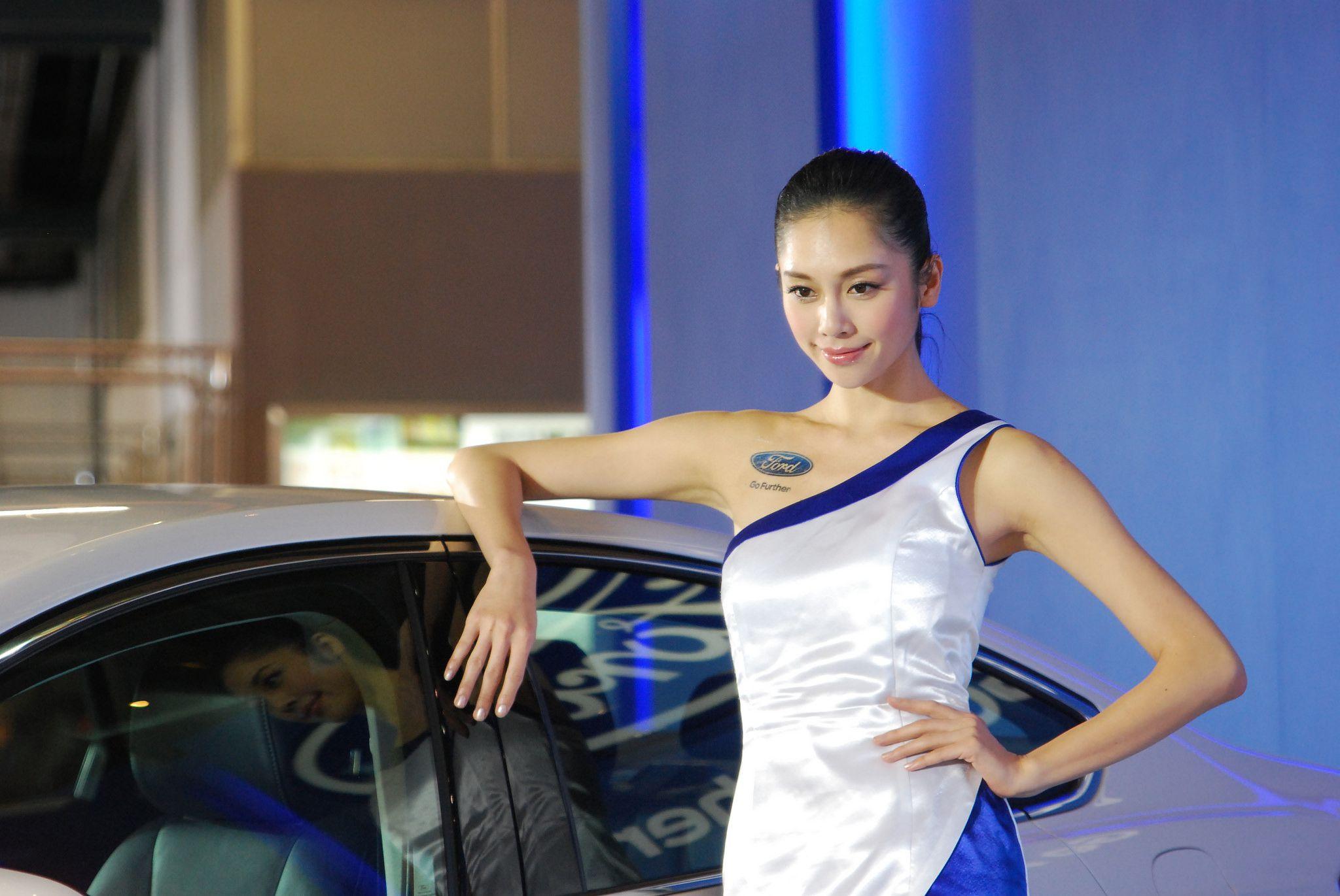 VOL.933 [网络美女]Show Girl车模香车美女:车模高品质写真套图(65P)