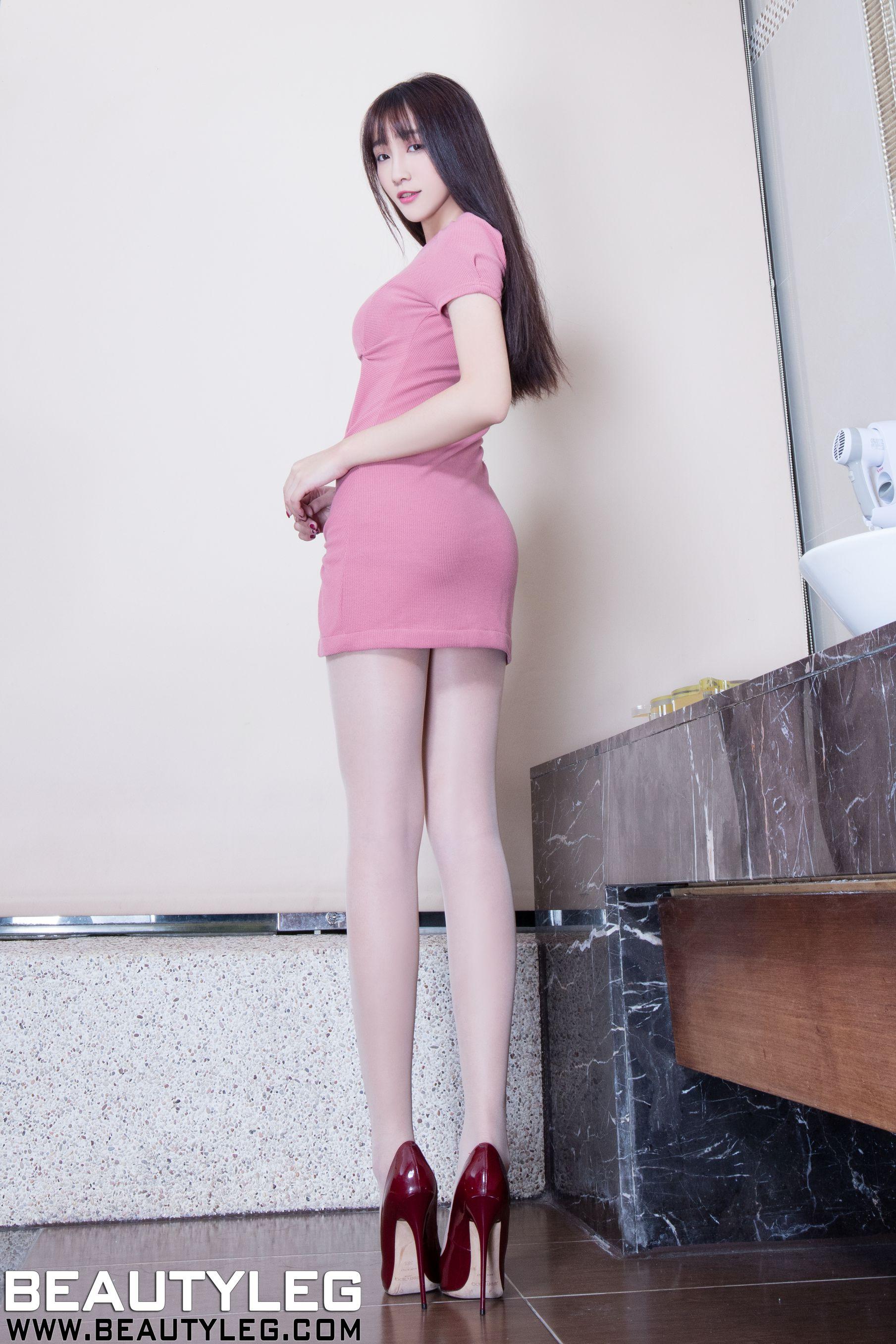 VOL.940 [Beautyleg]制服长腿美女:刘萱(腿模Iris)高品质写真套图(45P)