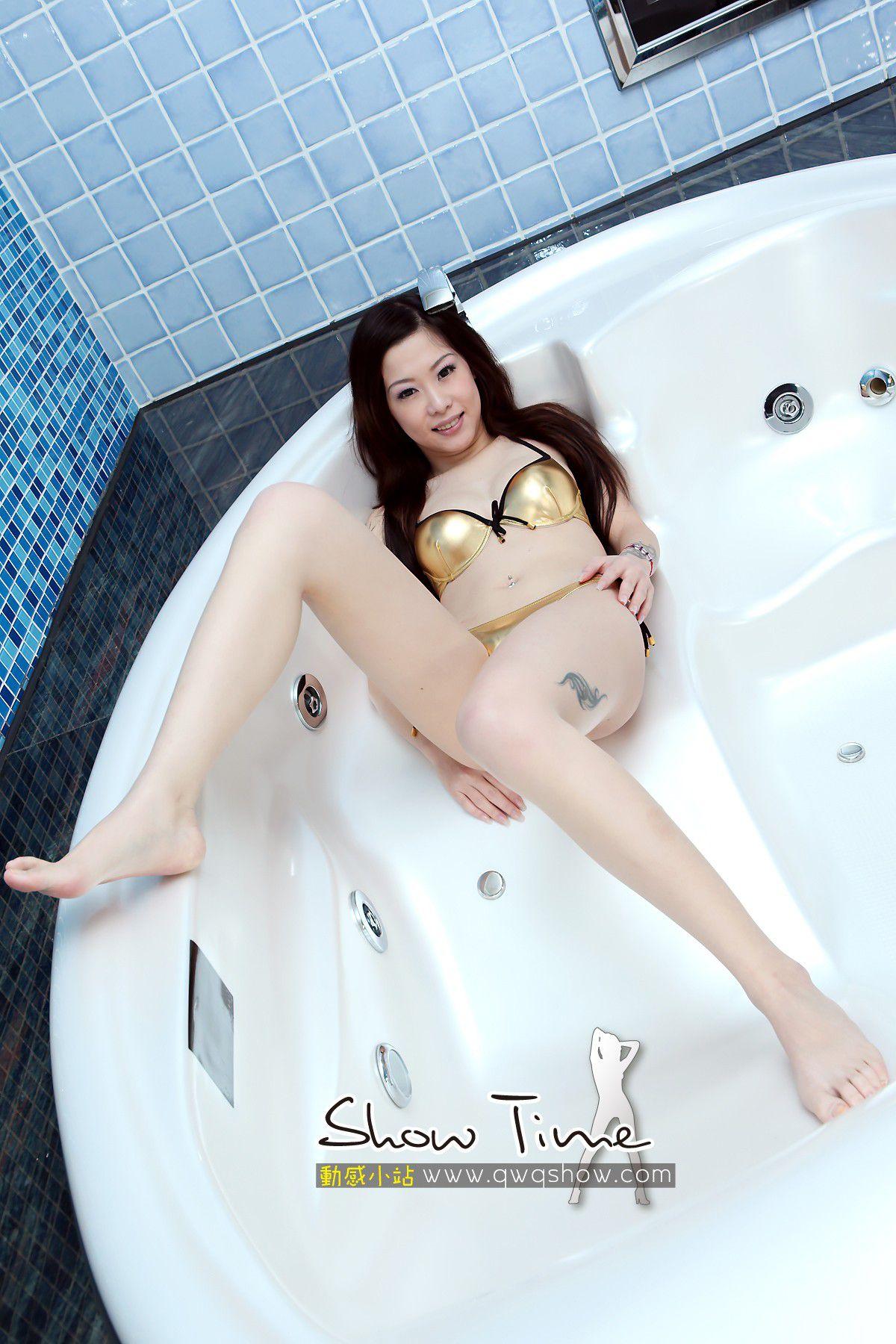 VOL.953 [动感之星]湿身浴室:蓉儿(动感小站蓉儿,动感之星蓉儿)高品质写真套图(48P)