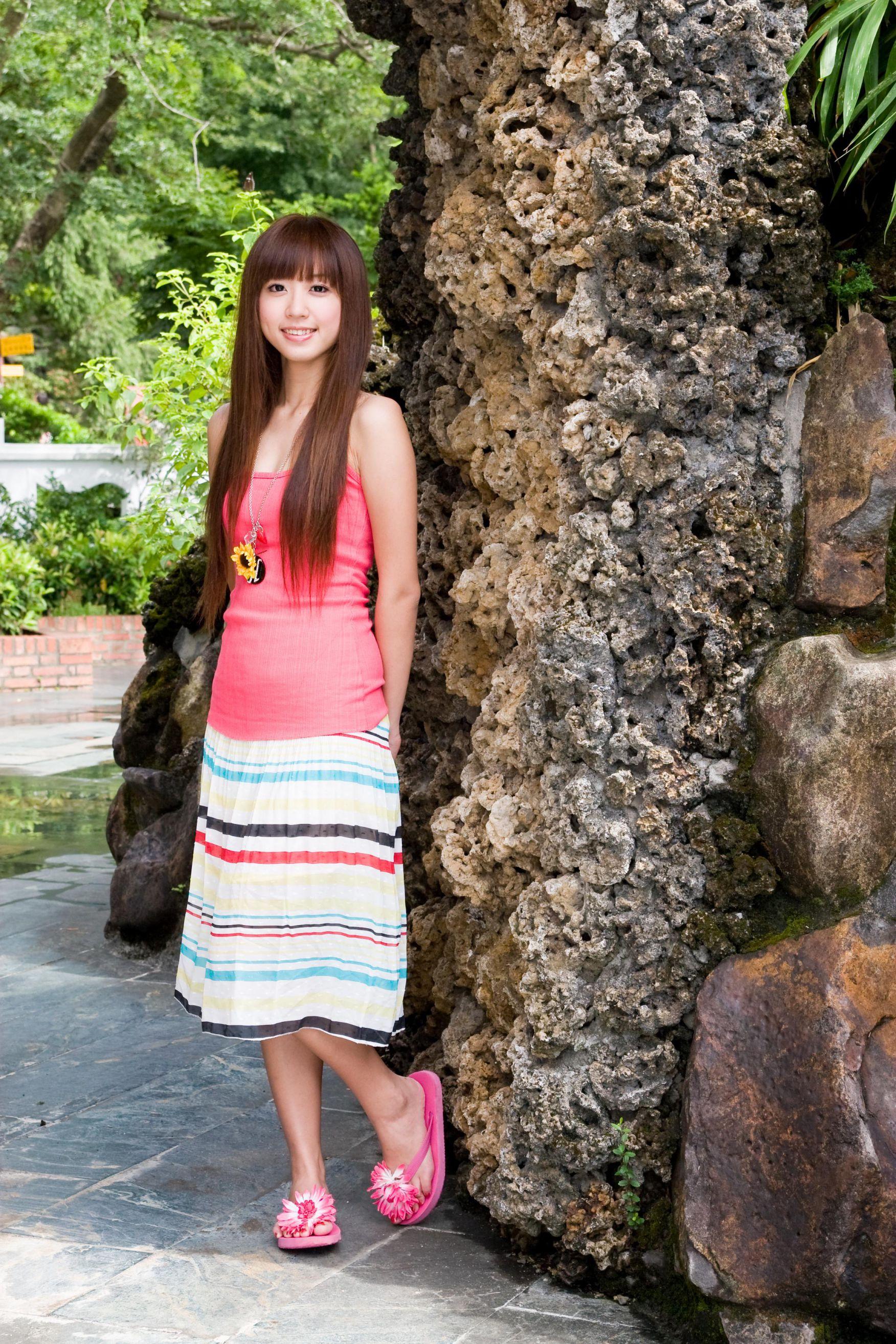 VOL.1549 [台湾正妹]可爱清纯甜美正妹明星B罩杯美女:洪诗(洪诗涵)高品质写真套图(65P)