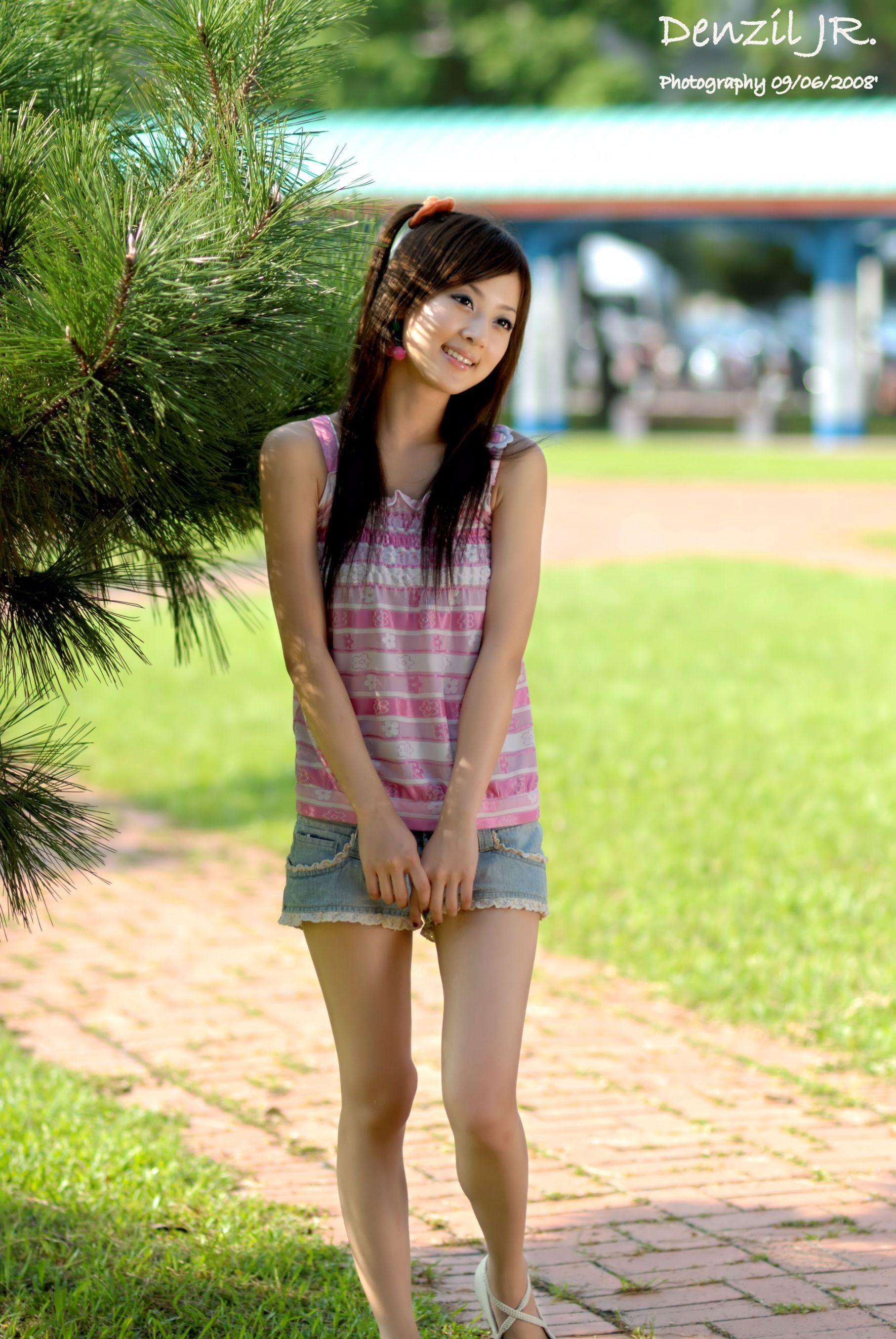 VOL.1233 [网络美女]热裤牛仔阳光正妹:张凯洁(张允霏,果子MM)高品质写真套图(50P)